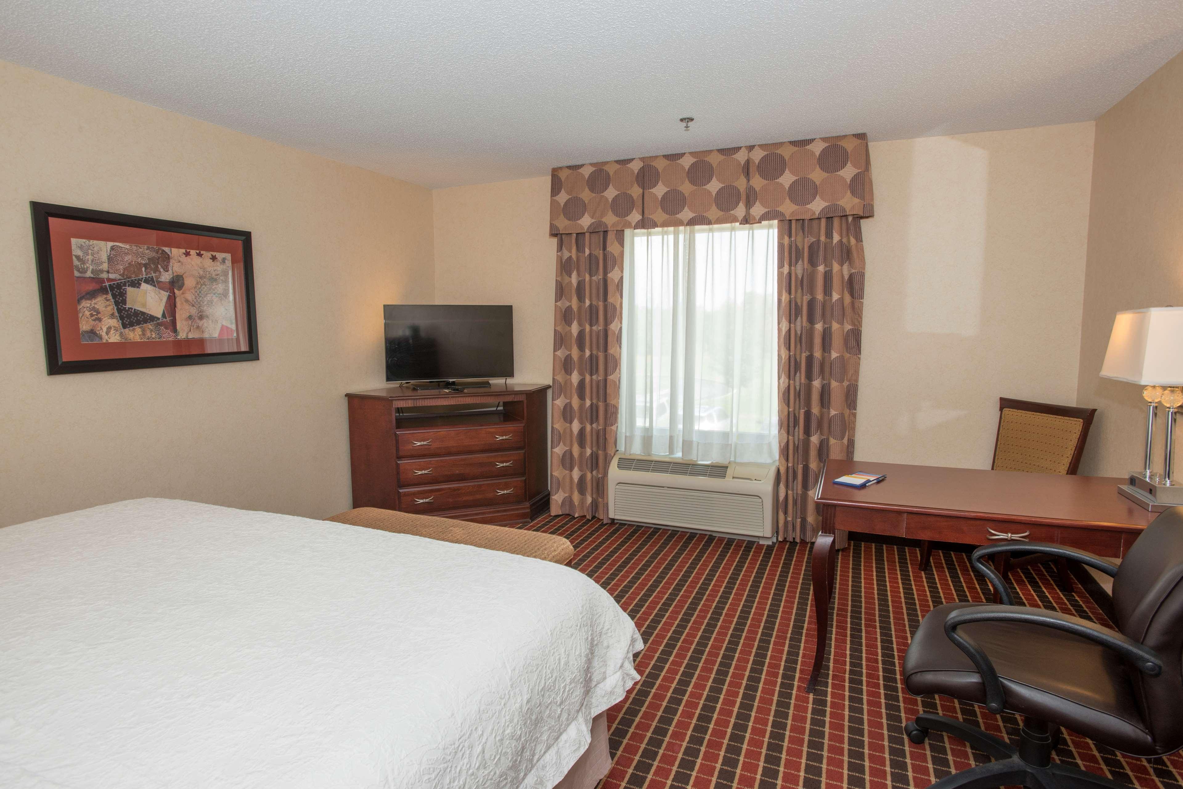 Hampton Inn & Suites Dayton-Airport image 24