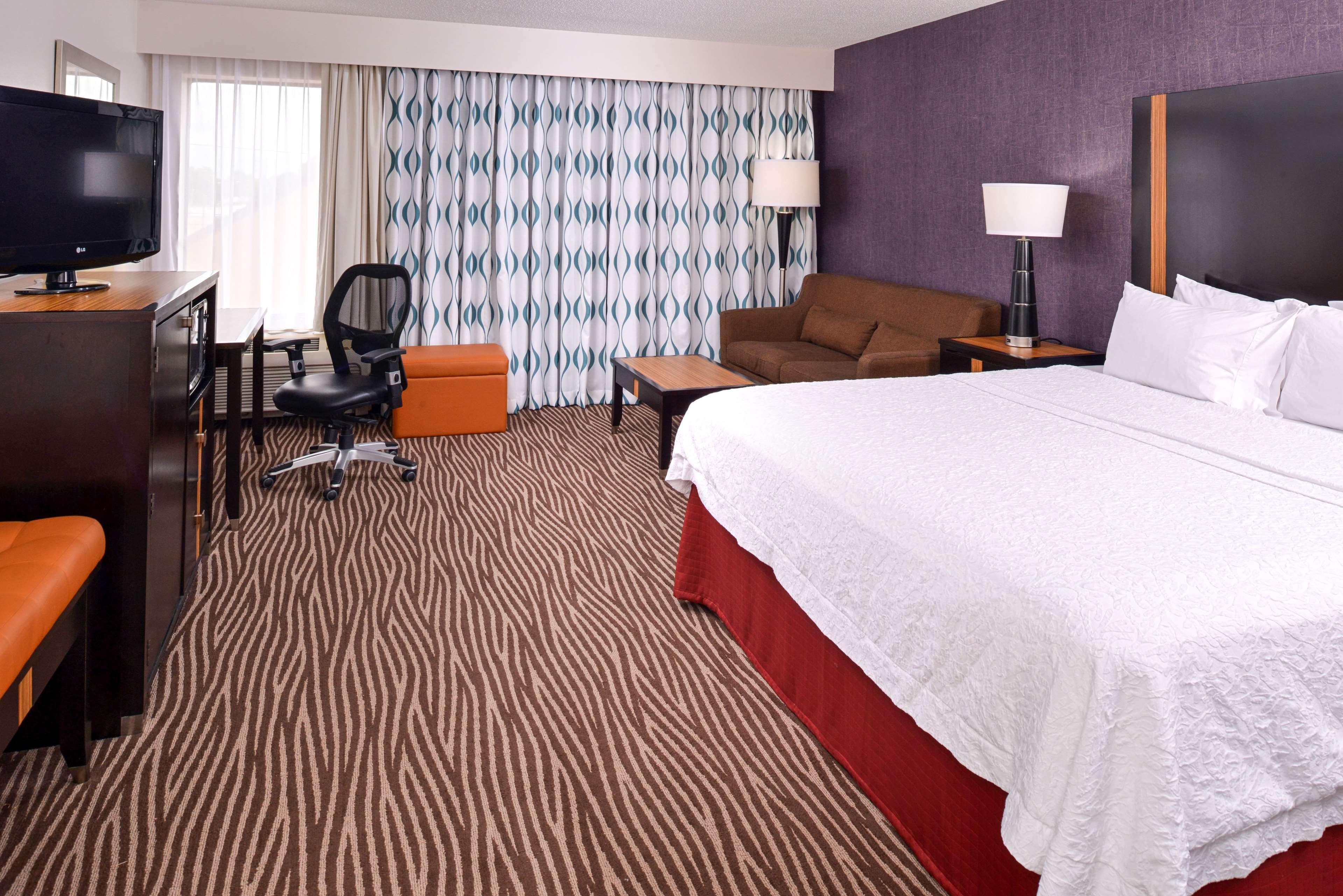 Hampton Inn Springfield image 27