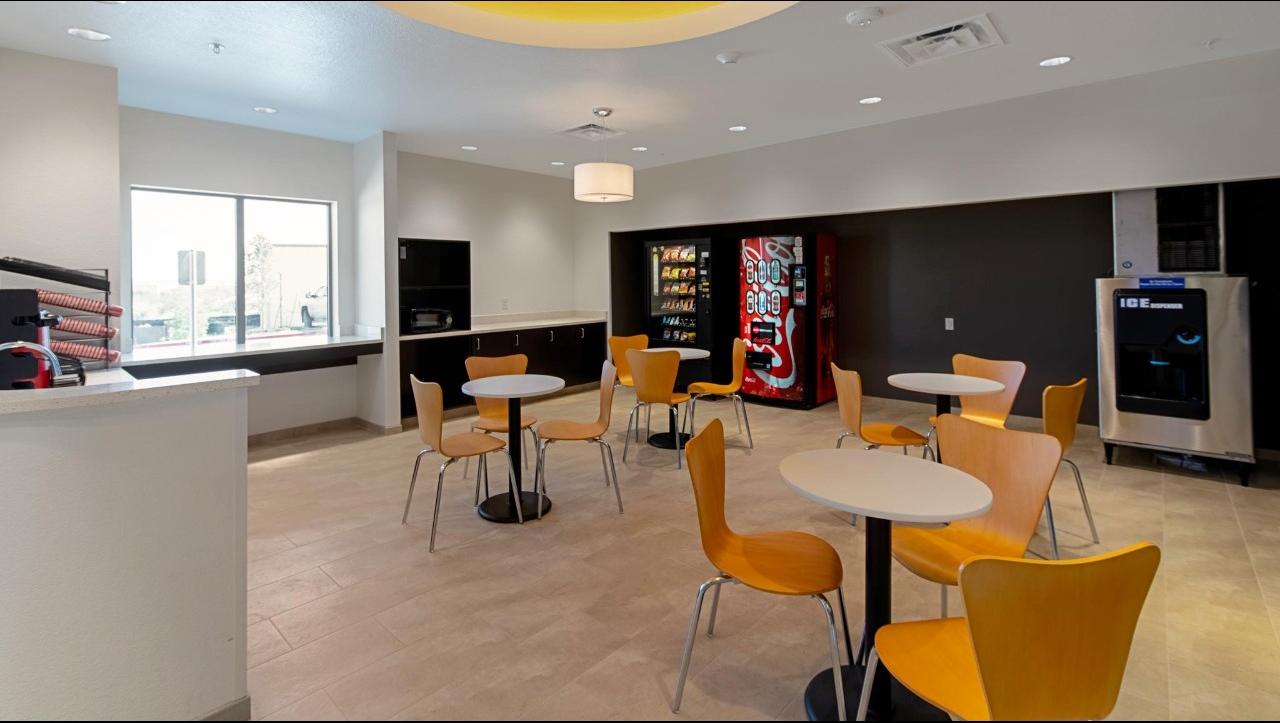 Studio 6 Austin TX - Airport image 4