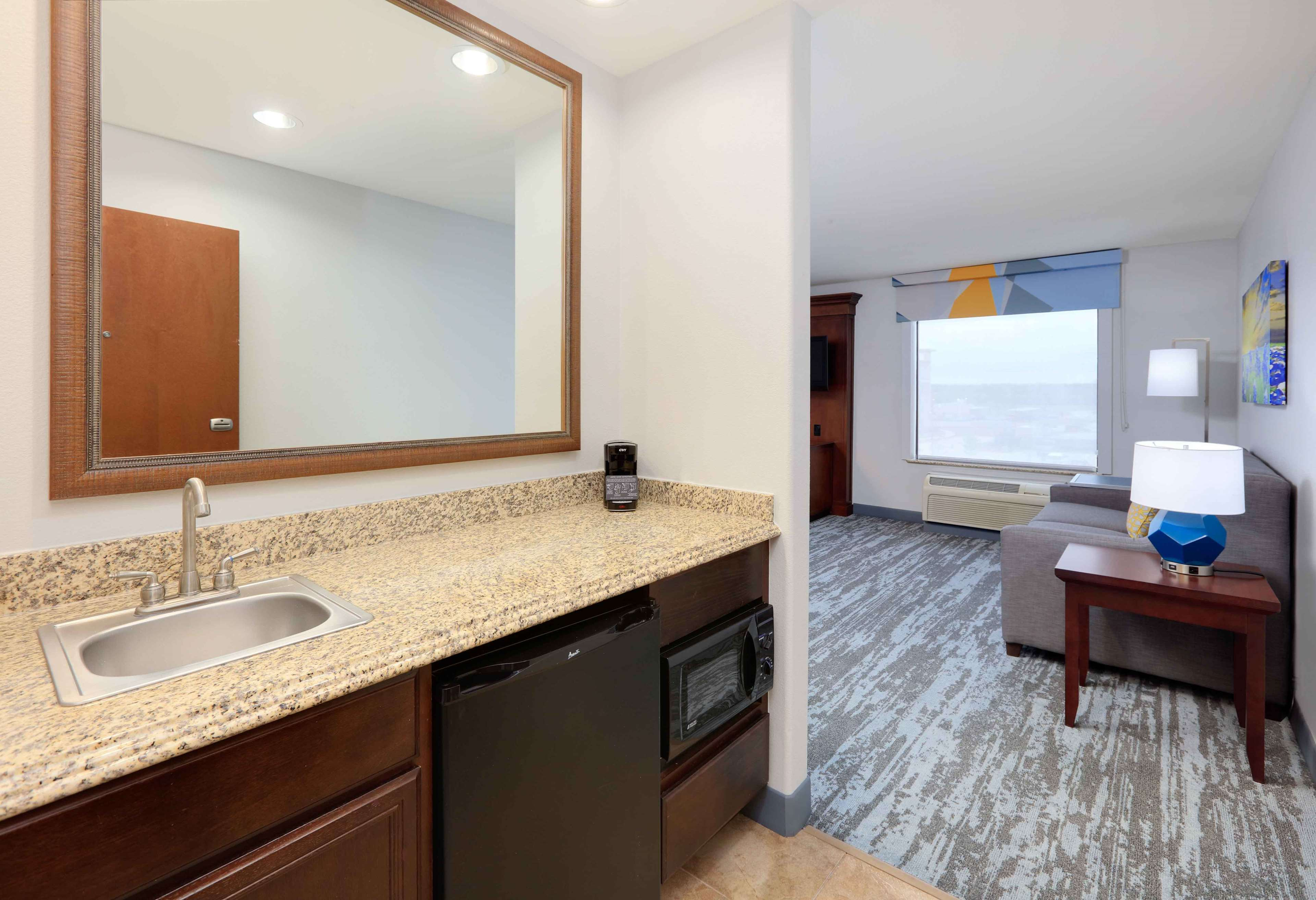 Hampton Inn & Suites Dallas-Arlington-South image 36