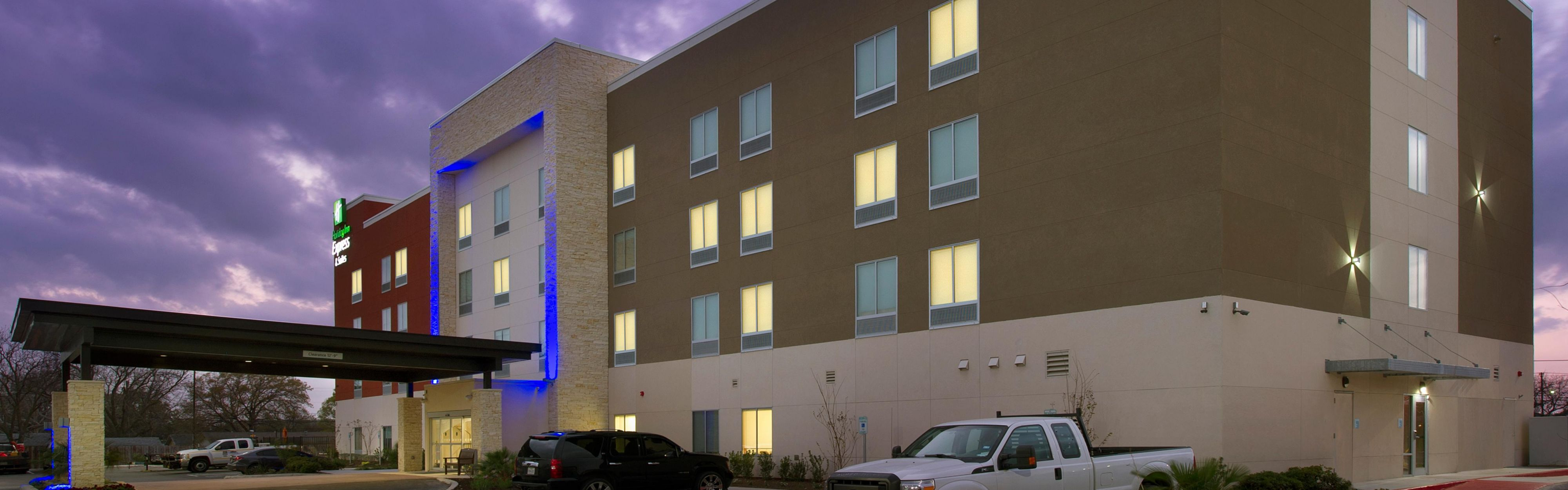 Holiday Inn Express & Suites New Braunfels image 0