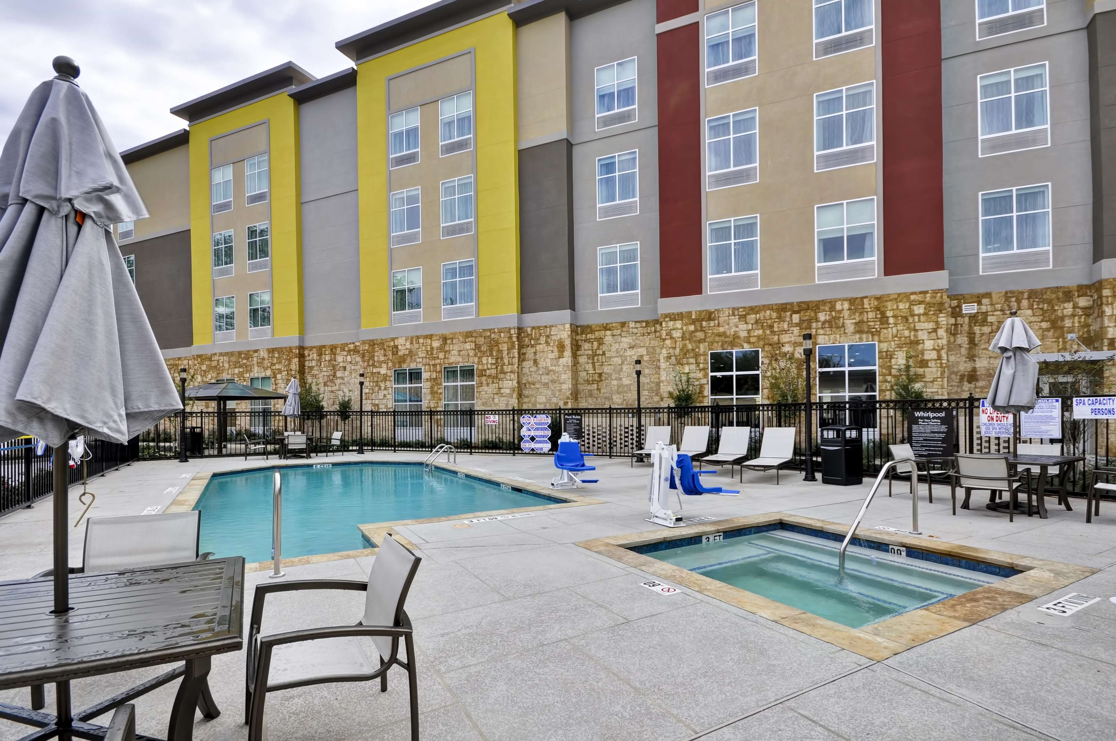 Homewood Suites by Hilton Tyler image 4