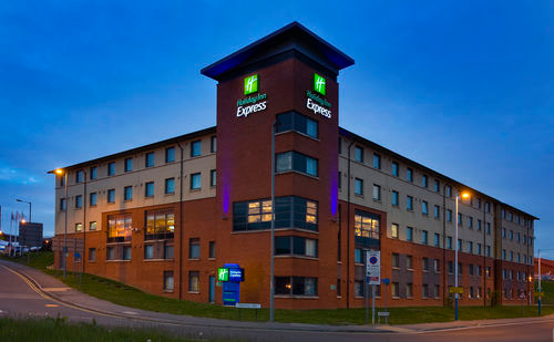 holiday inn express london luton airport hotels in. Black Bedroom Furniture Sets. Home Design Ideas