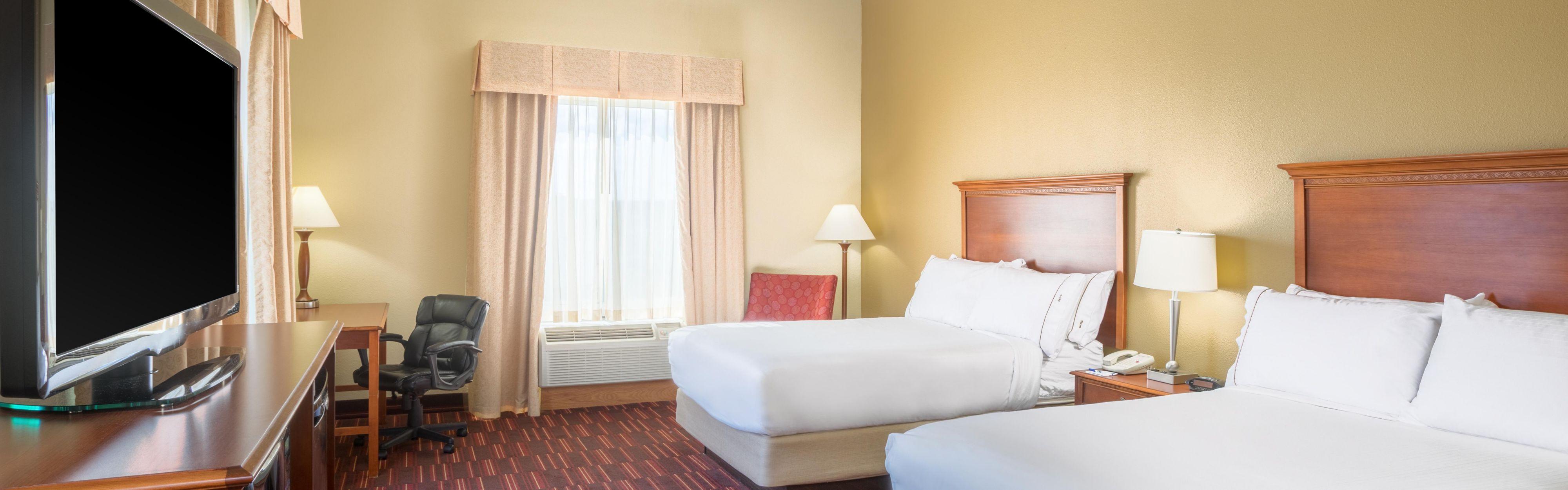 Holiday Inn Express & Suites Woodbridge image 1