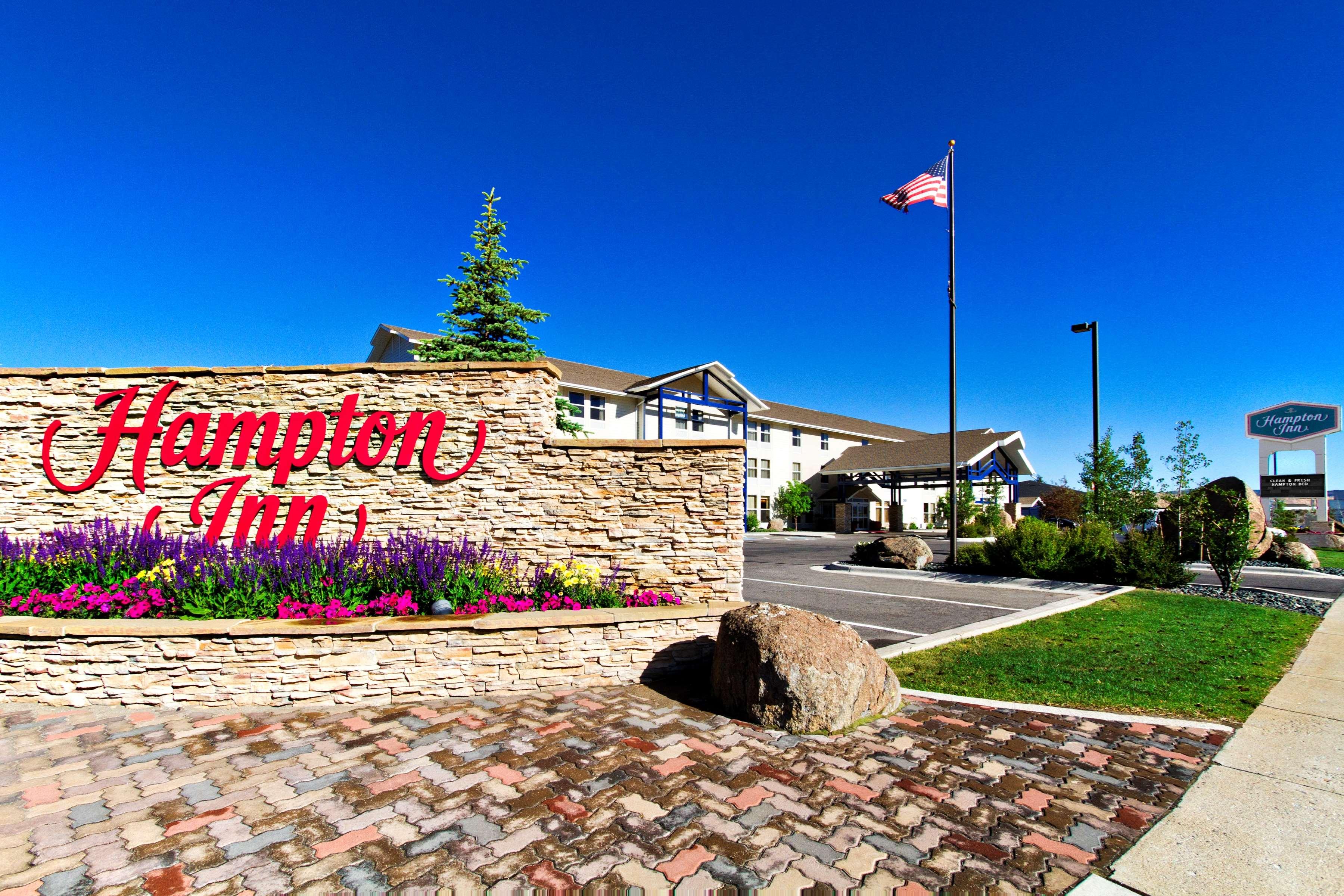 Hampton Inn Butte image 3
