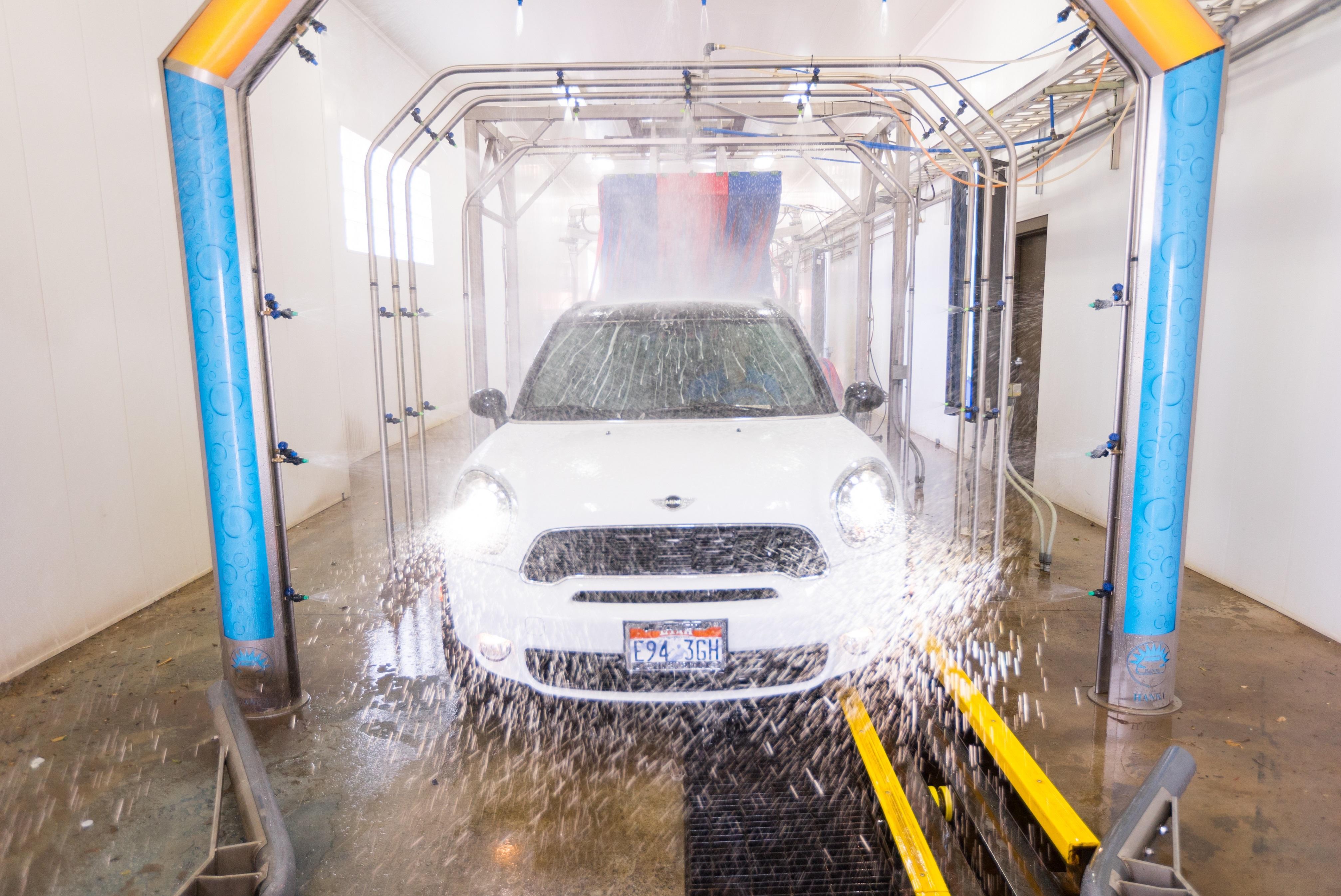 Tagg N Go Express Car Wash image 6