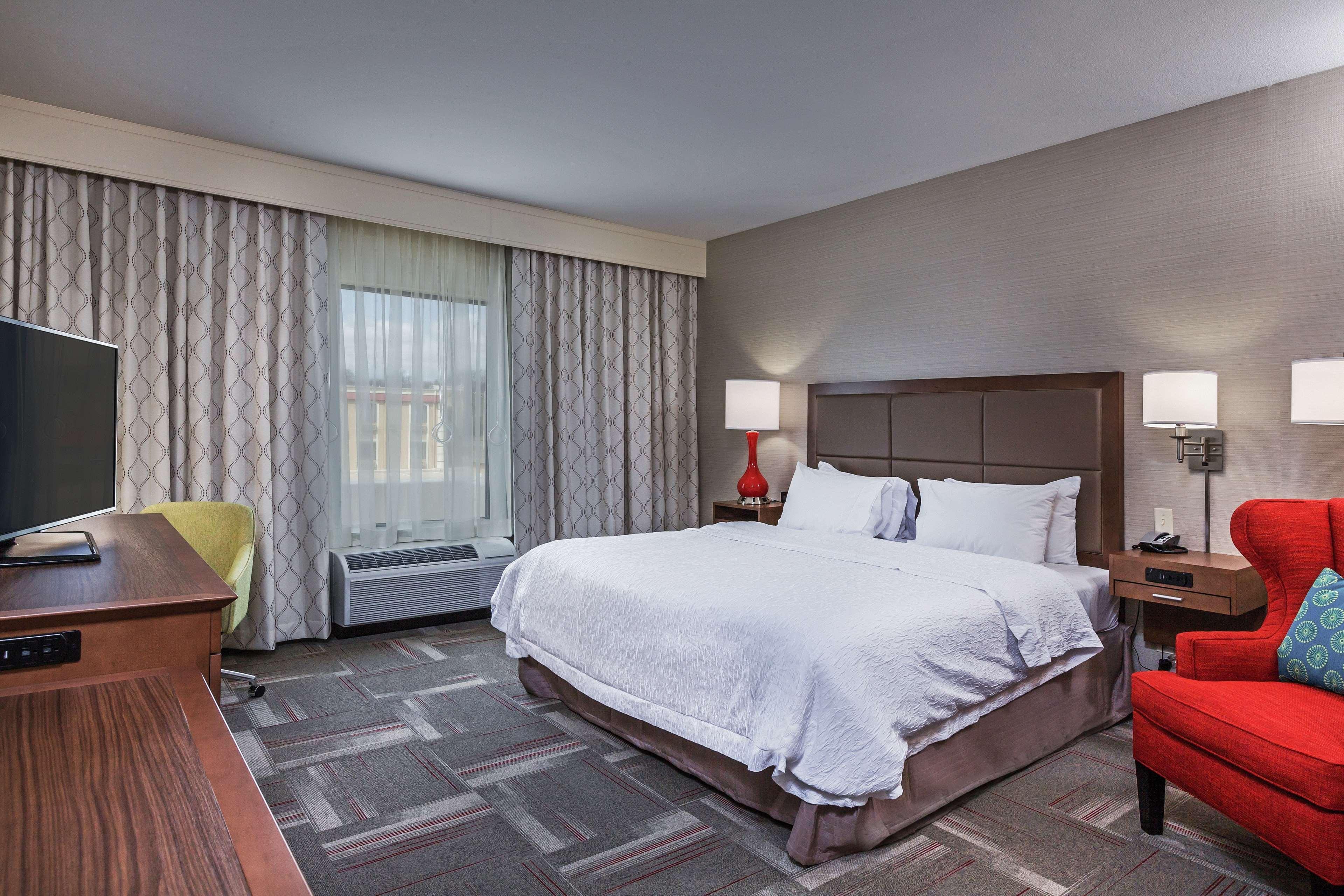 Hampton Inn & Suites Claremore image 16
