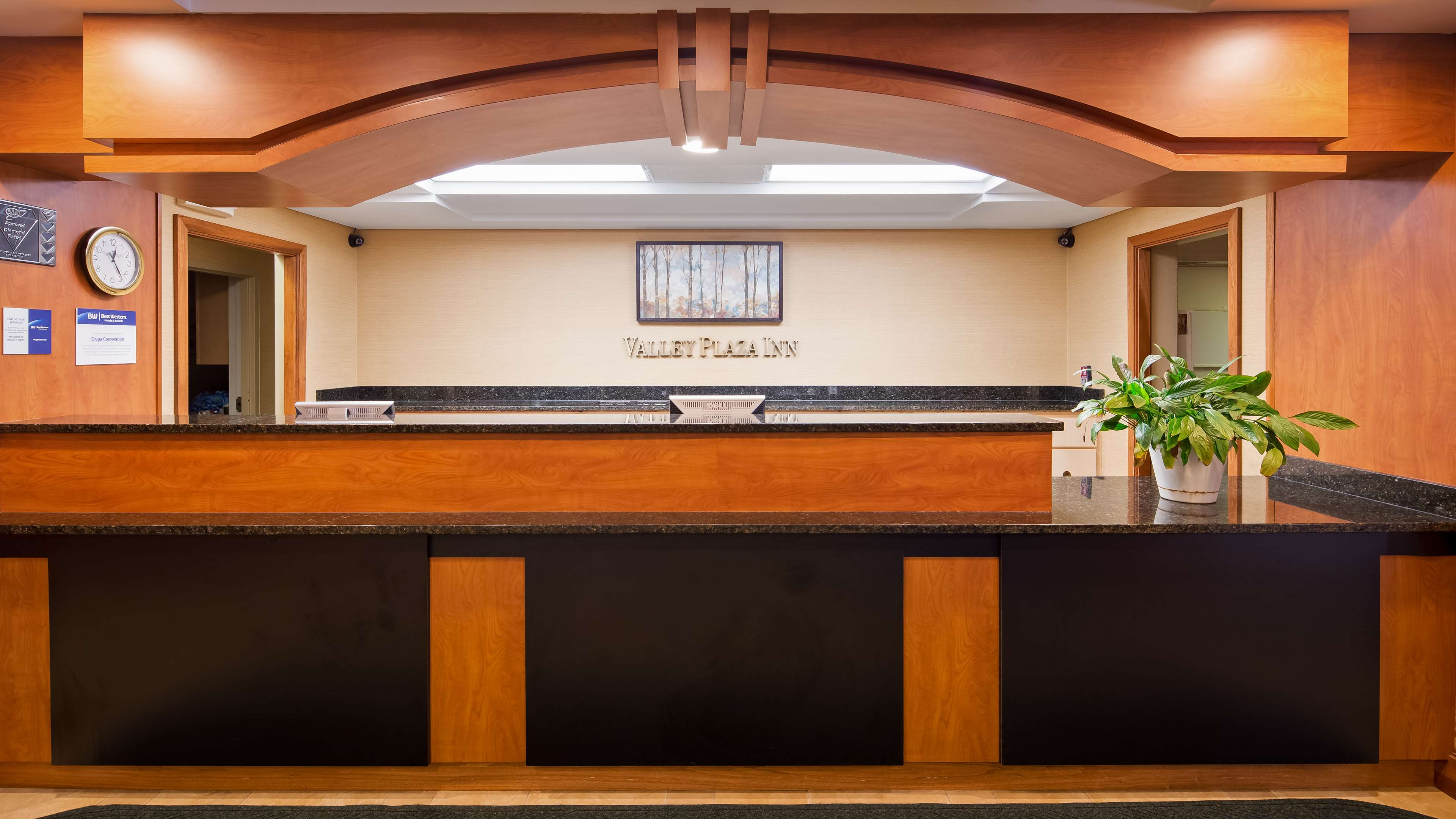 Best Western Valley Plaza Inn image 5