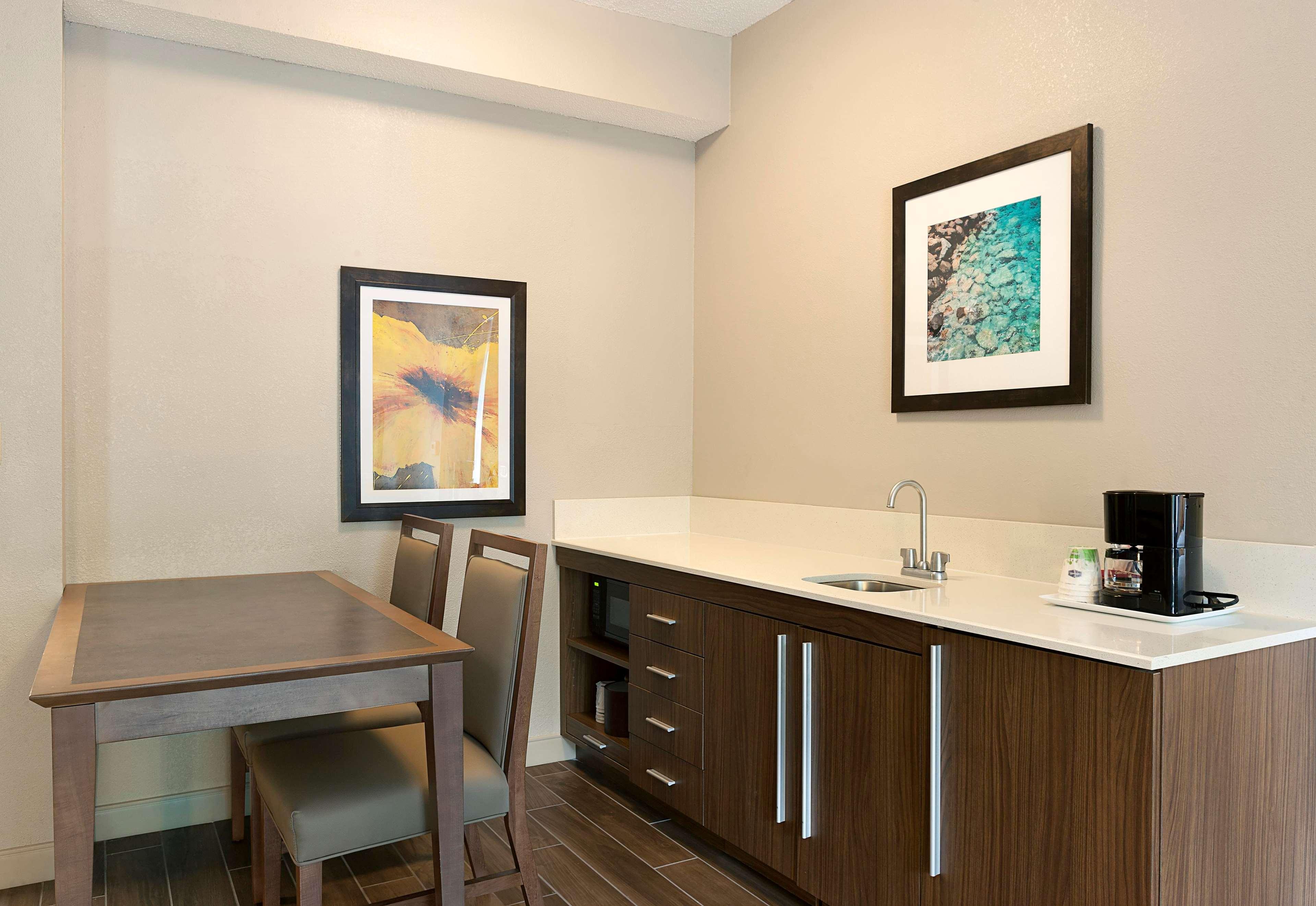Hampton Inn & Suites Charlotte/Pineville image 17