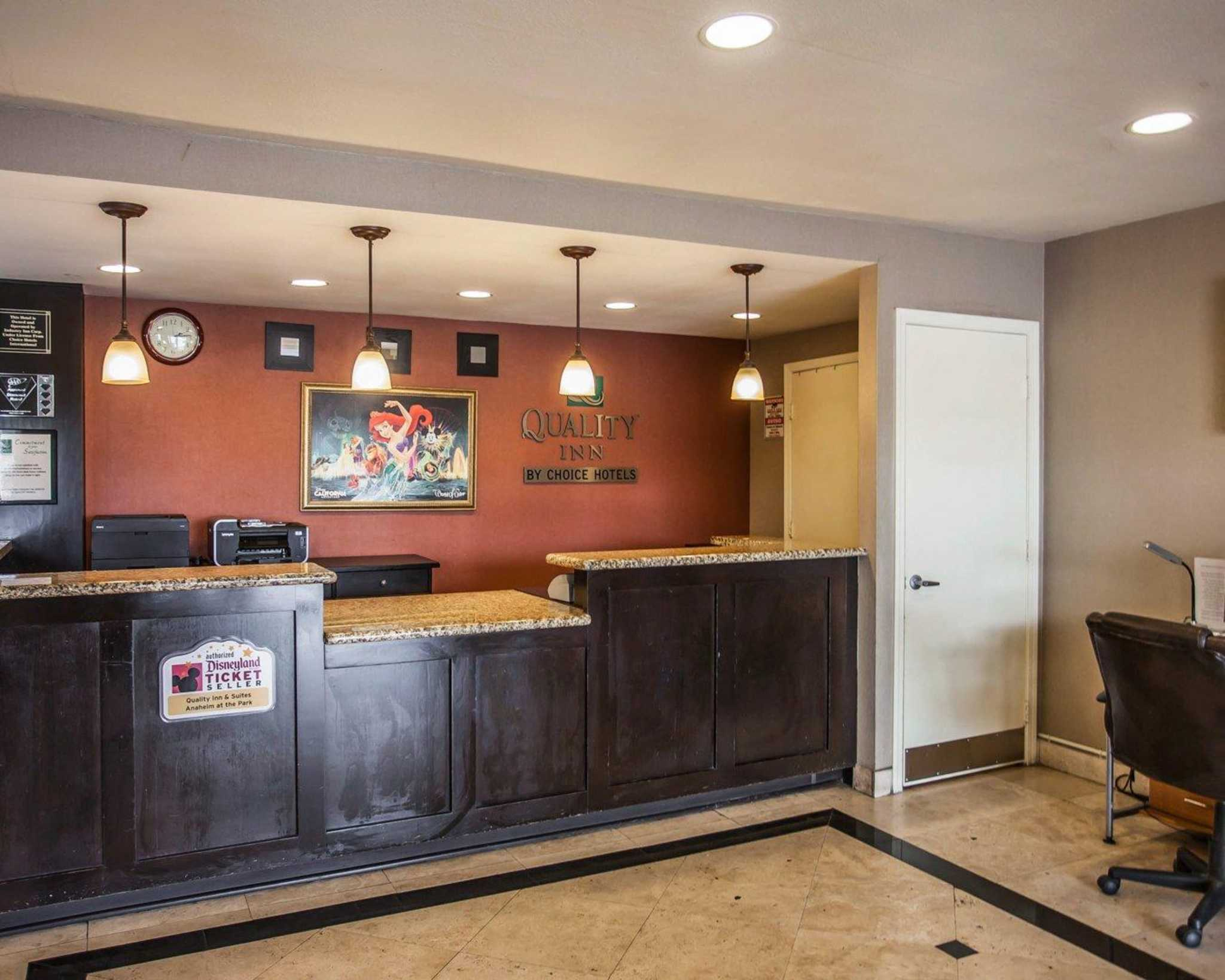 Quality Inn & Suites Anaheim at the Park image 16