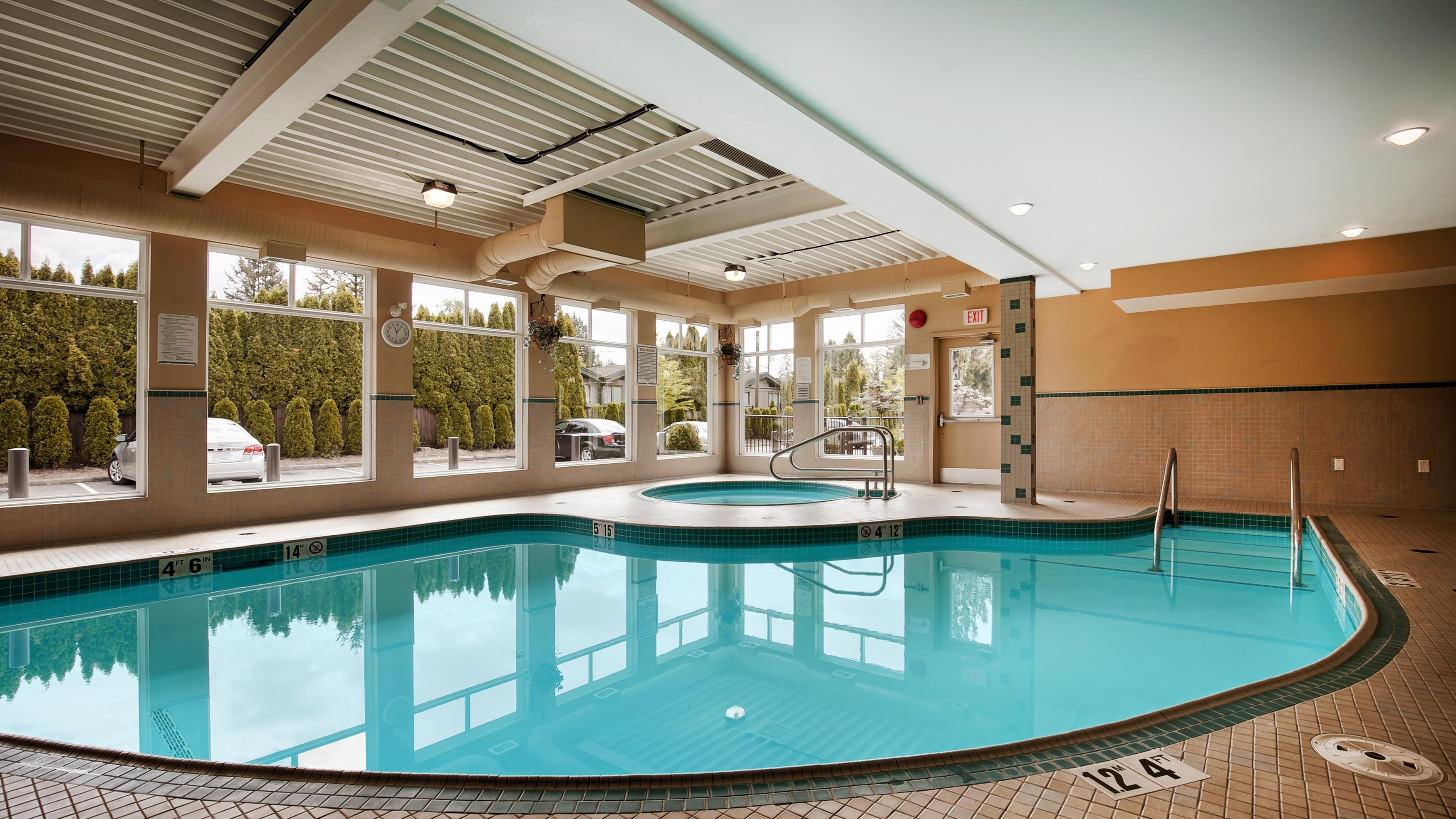 Best Western Maple Ridge Hotel in Maple Ridge: Indoor Pool