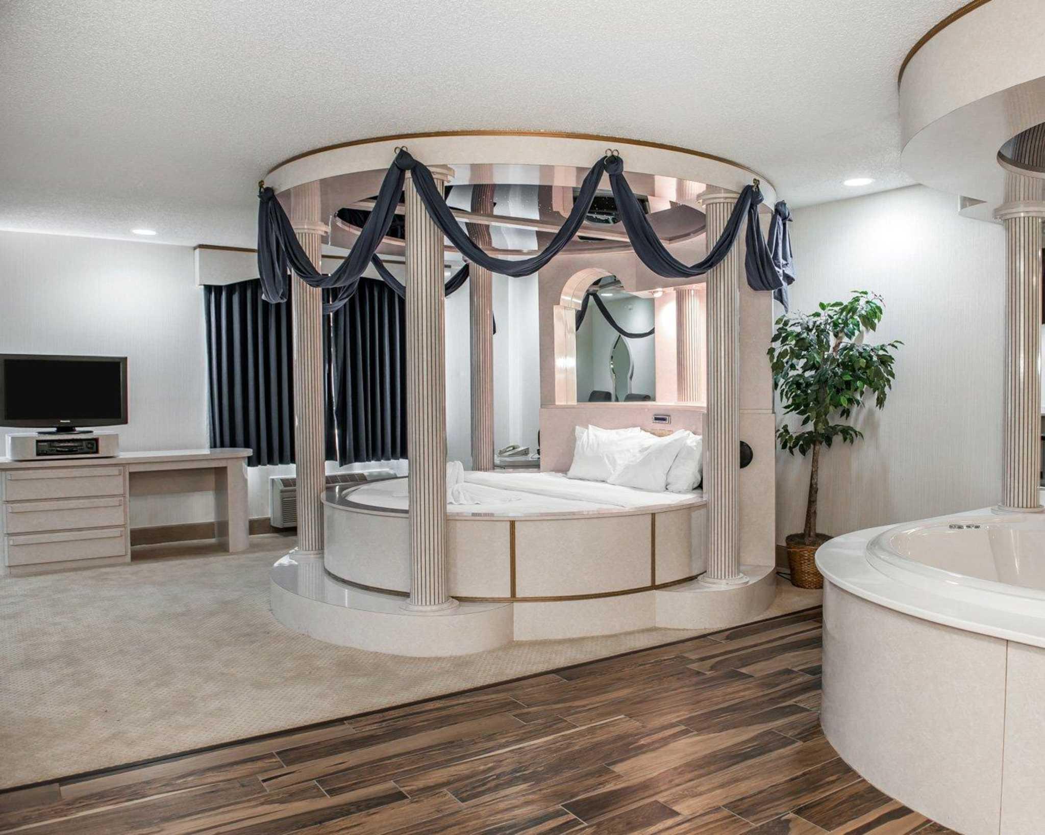 Comfort Suites North in Elkhart, IN, photo #36