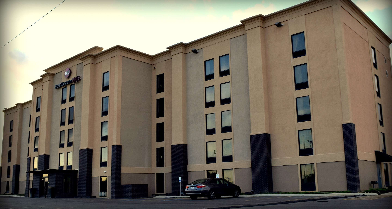 Best Western Plus Jonesboro Inn & Suites image 1