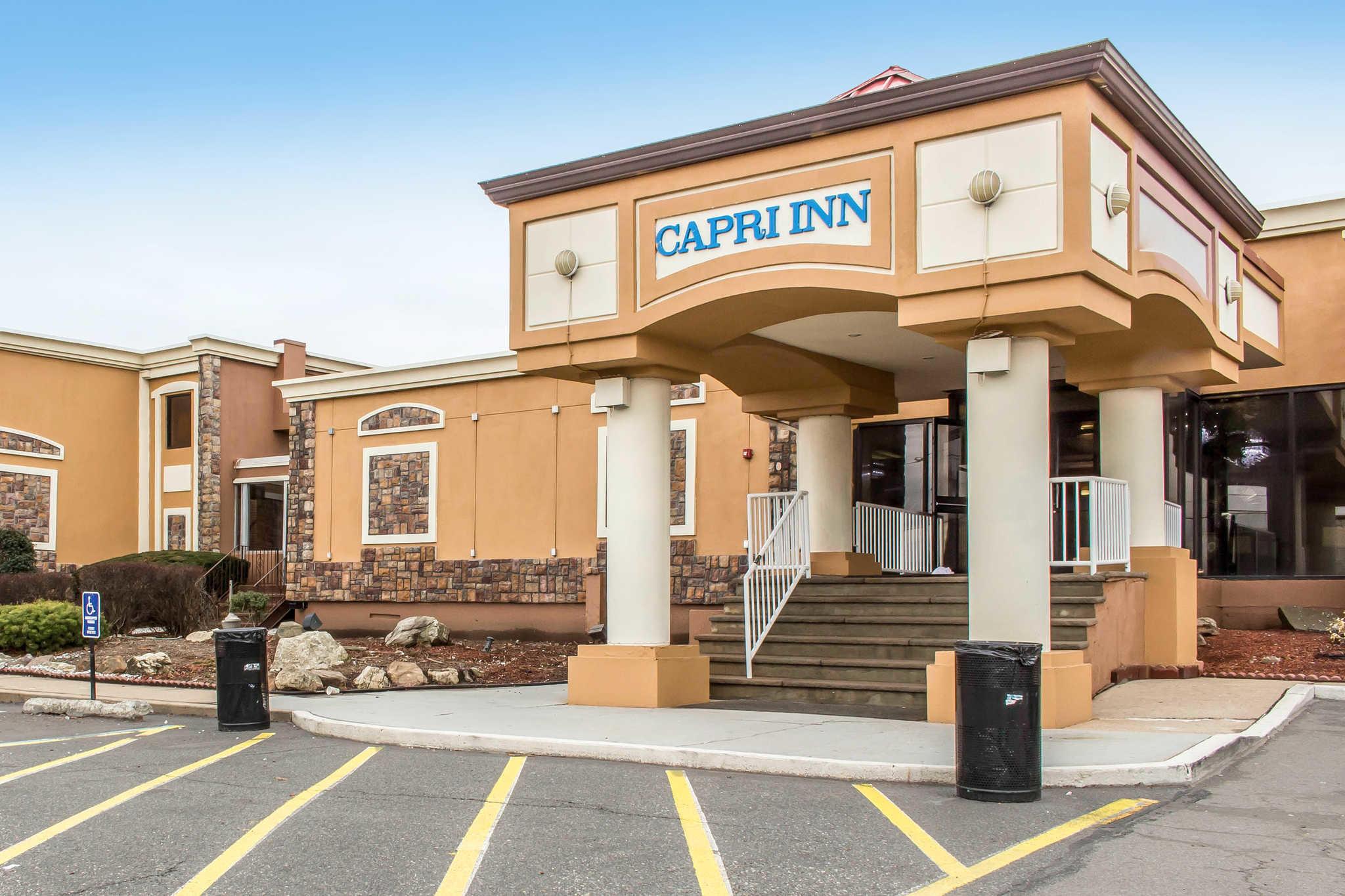 Rodeway Inn Capri image 0