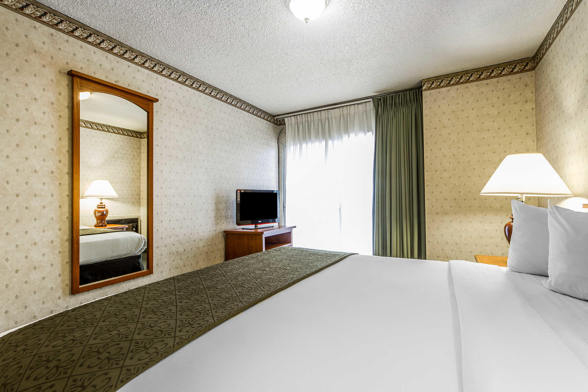 Quality Inn & Suites Silicon Valley image 33