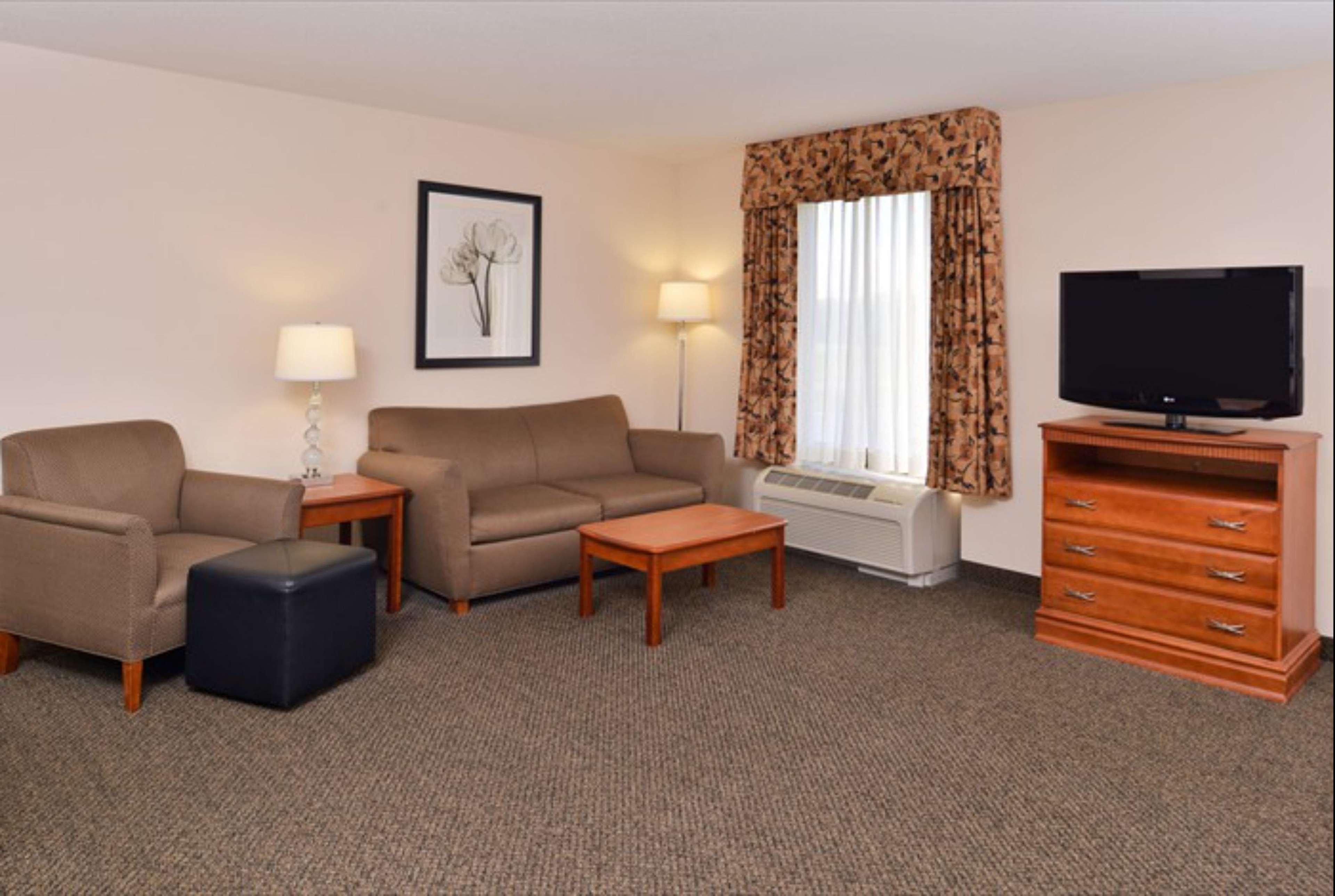Hampton Inn & Suites Richmond image 14