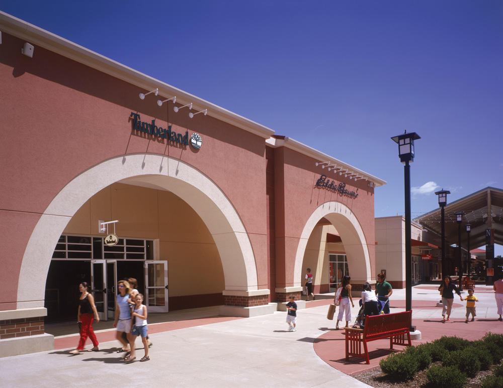 Chicago Premium Outlets image 7