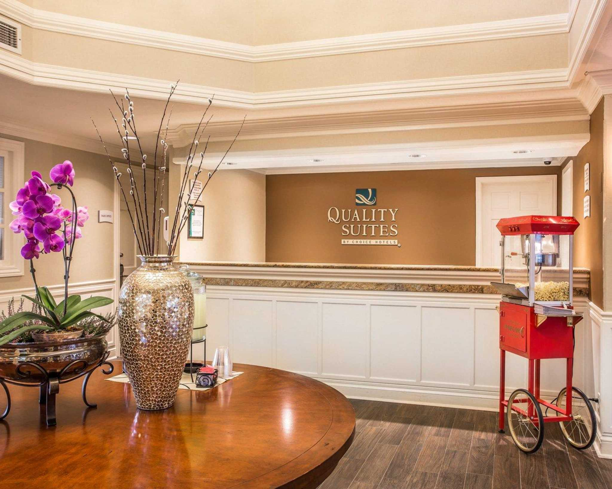 Quality Suites Buckhead Village image 4