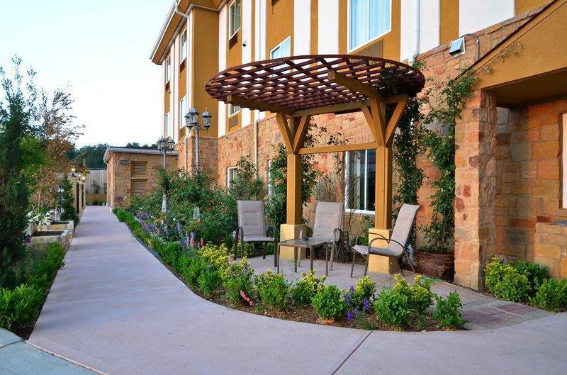 Best Western Plus Blanco Luxury Inn & Suites image 19