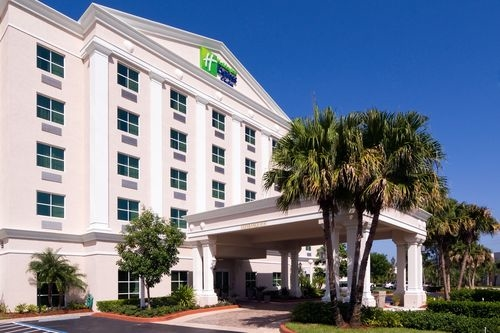 Holiday Inn Express & Suites Miami-Kendall - ad image