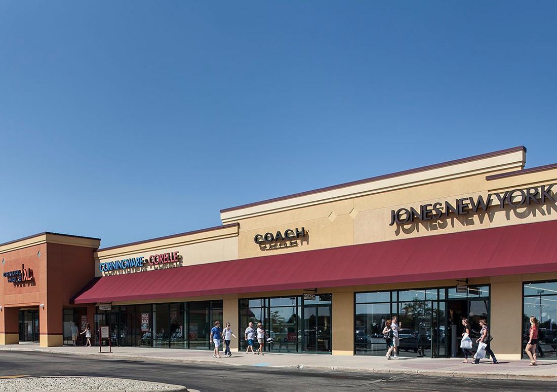 Johnson Creek Premium Outlets image 3