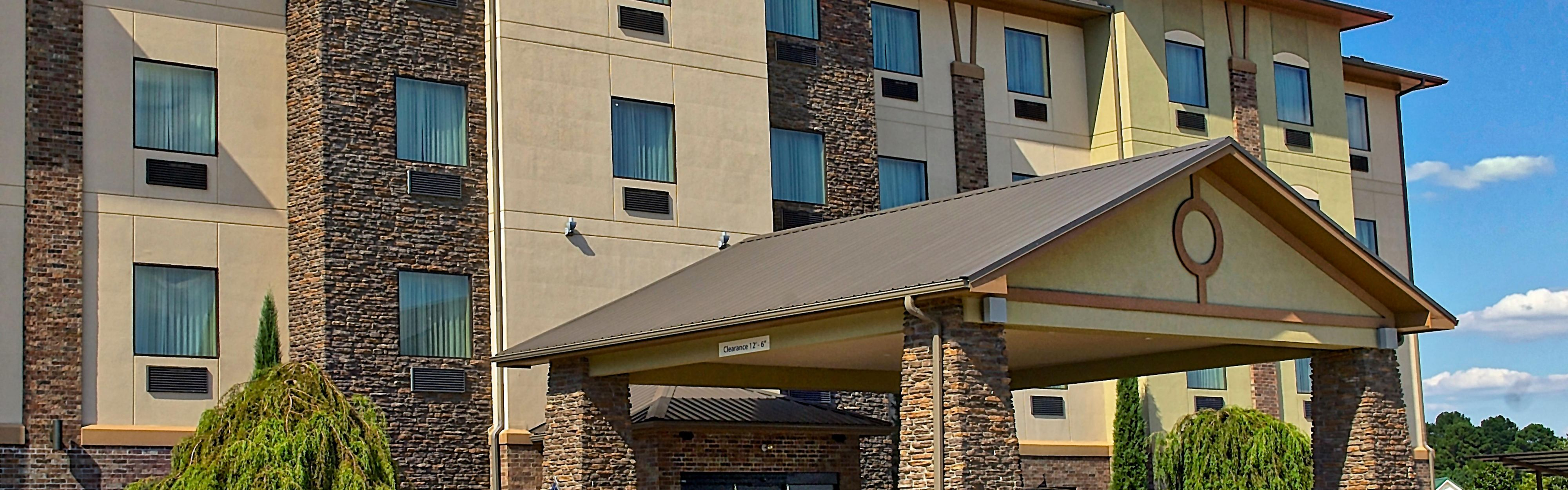 Holiday Inn Express & Suites Heber Springs image 0