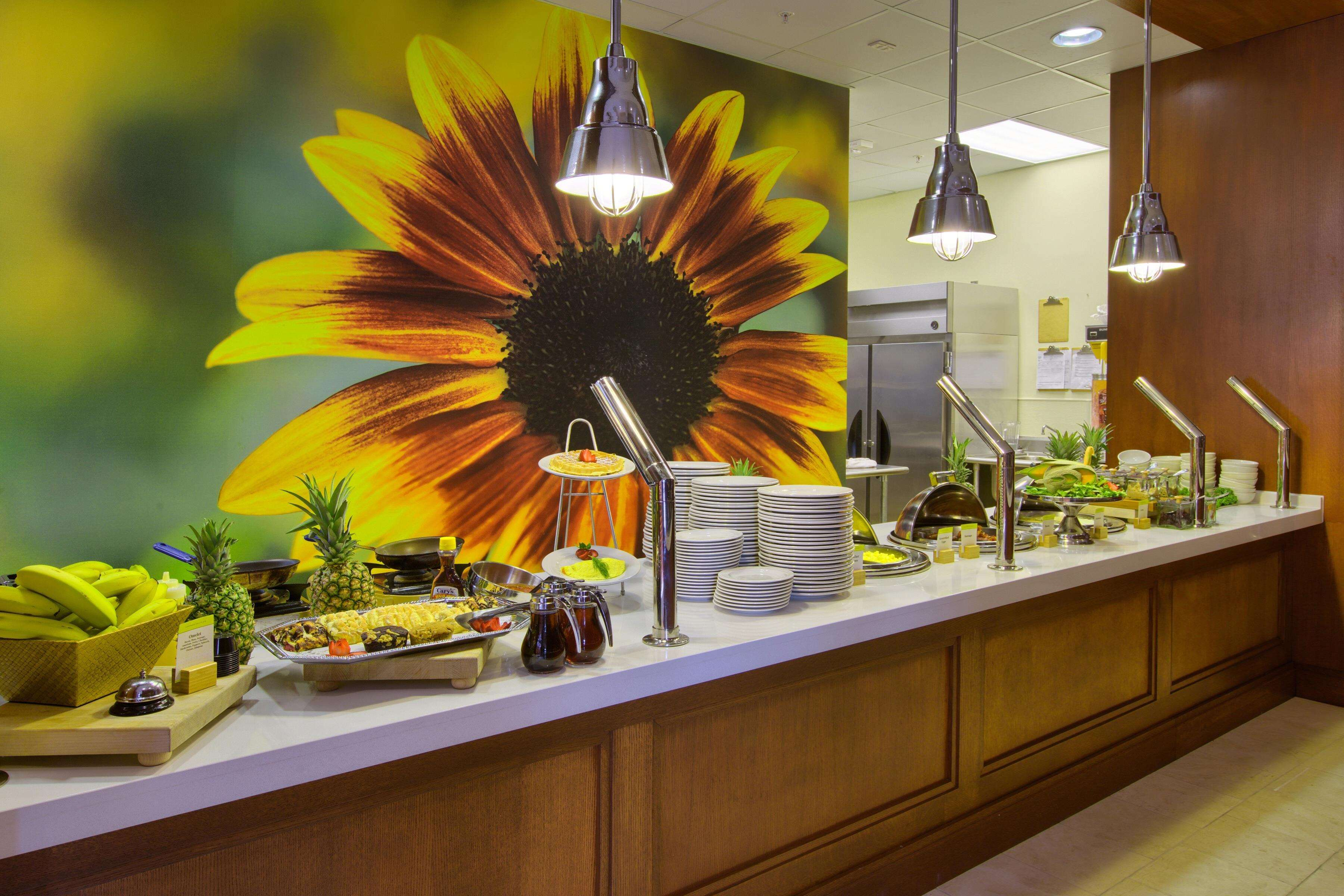 DoubleTree by Hilton Hotel Raleigh - Cary image 6