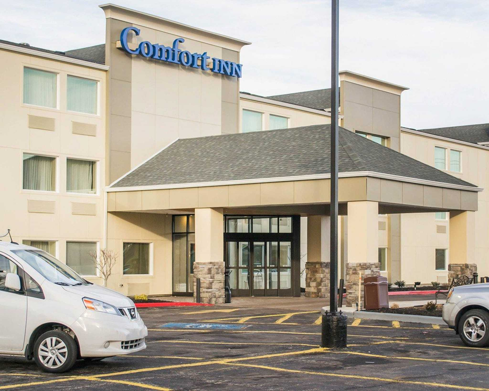 Comfort Inn Mayfield Heights Cleveland East image 2
