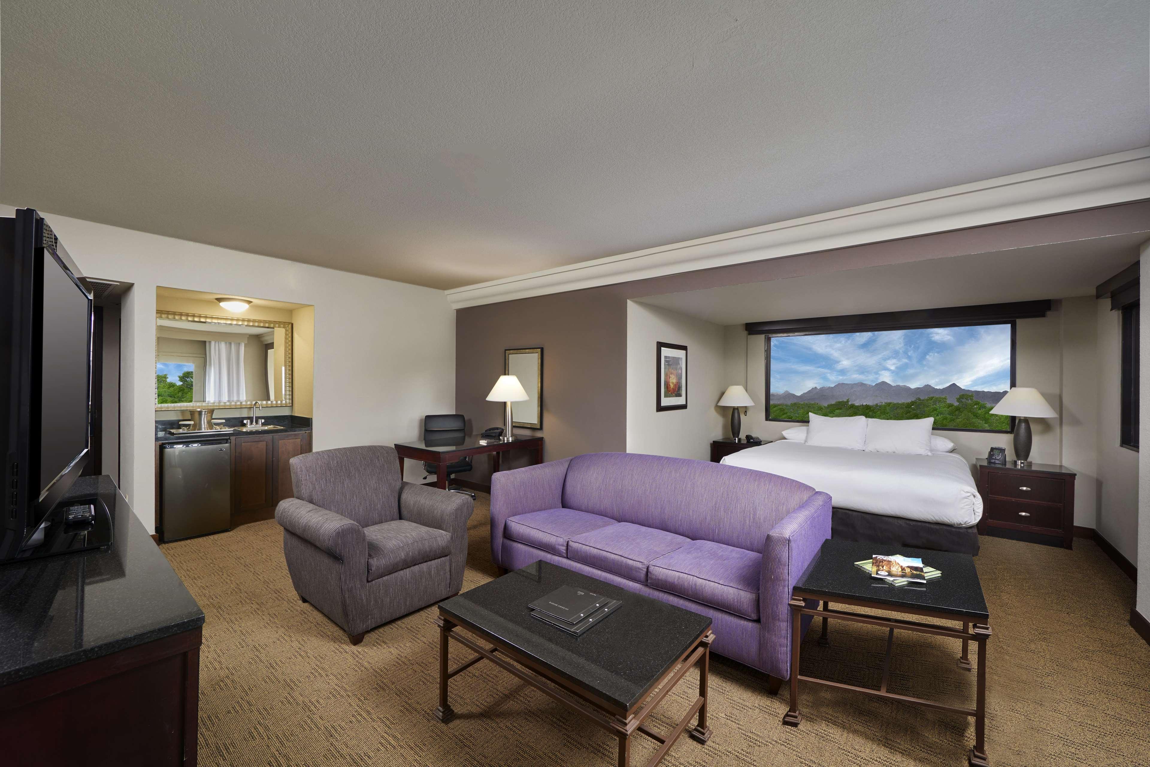 Hilton Phoenix/Mesa image 37