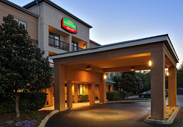 Courtyard by Marriott Knoxville Cedar Bluff image 0