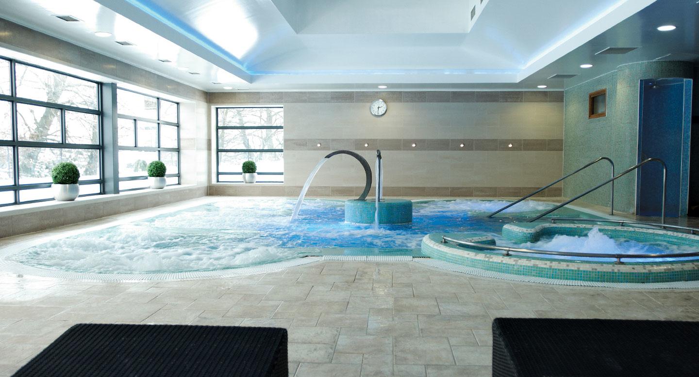 David lloyd beckenham fitness equipment in beckenham br3 3hl for Stanhope swimming pool opening hours