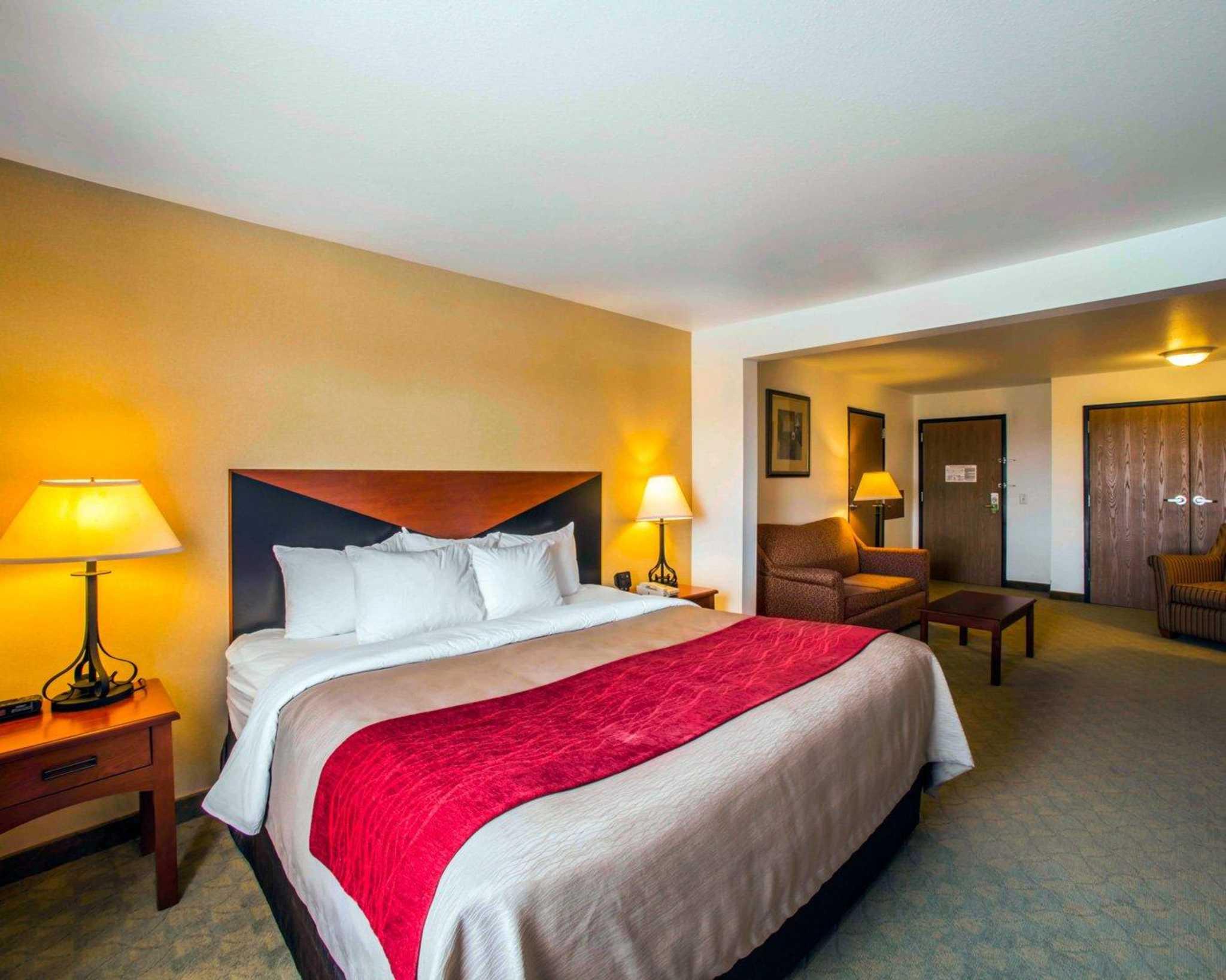 Comfort Inn & Suites Greenville I-70 image 14