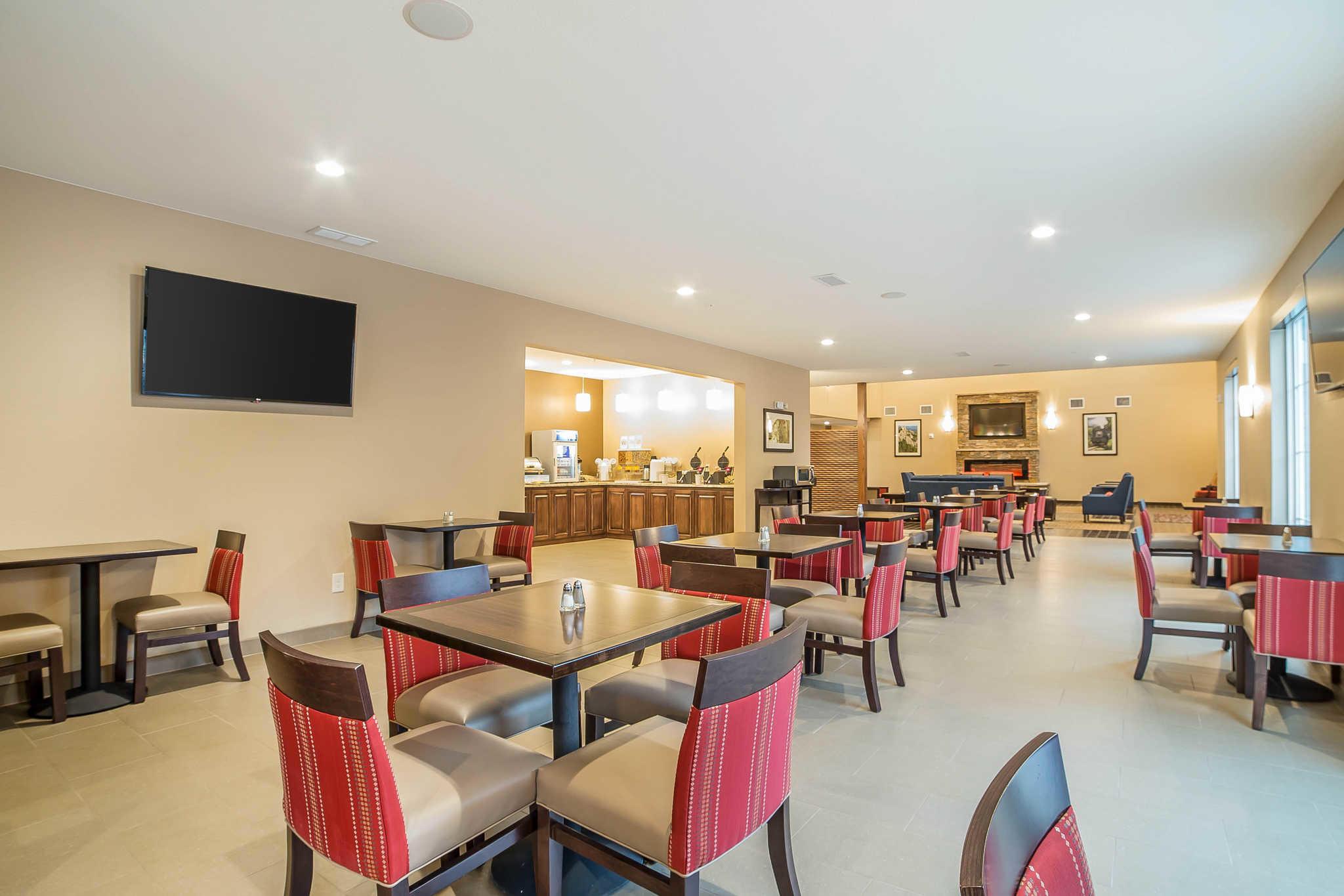 Comfort Inn & Suites Near Mt. Rushmore image 29