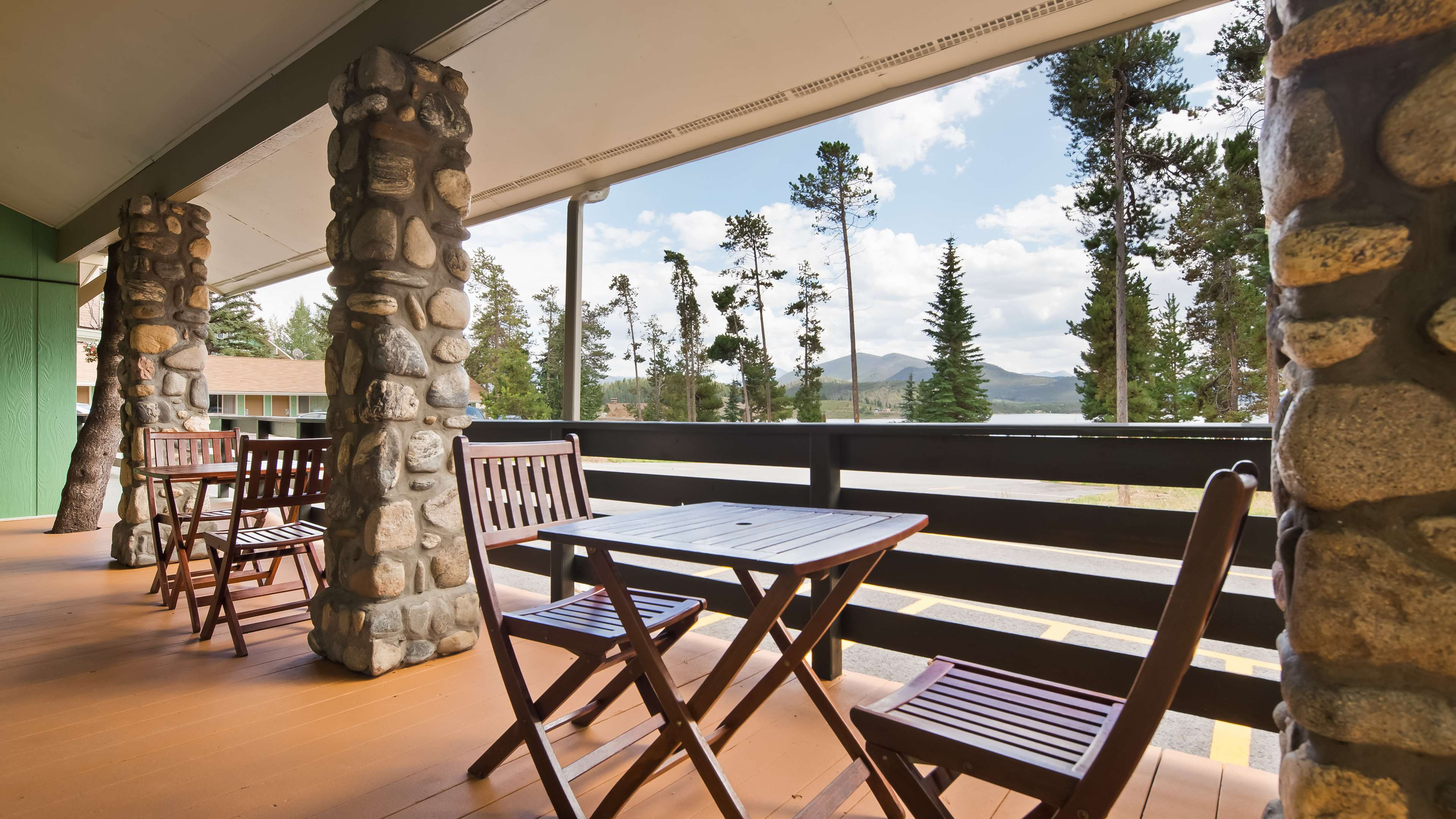 Best Western Ptarmigan Lodge image 0