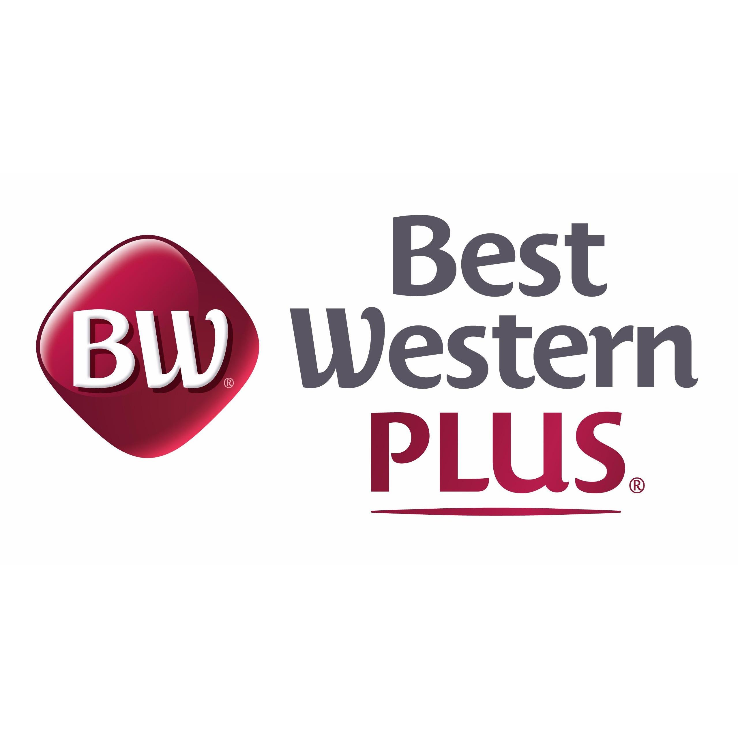 Best Western Plus Carlton Plaza Hotel in Victoria