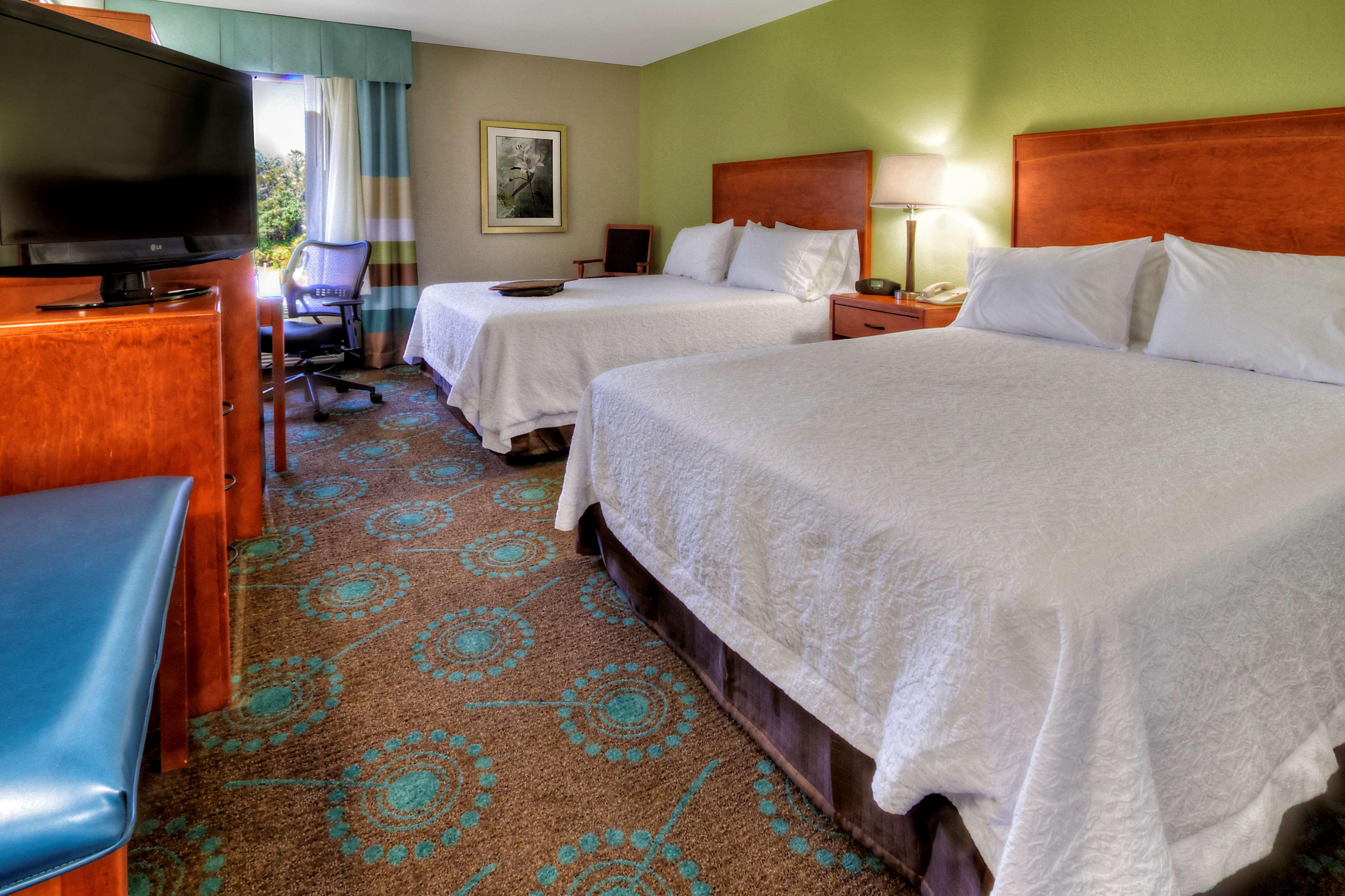 Hampton Inn Goldsboro image 40