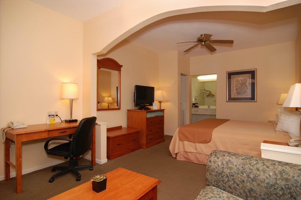 Best Western Inn of Navasota image 22