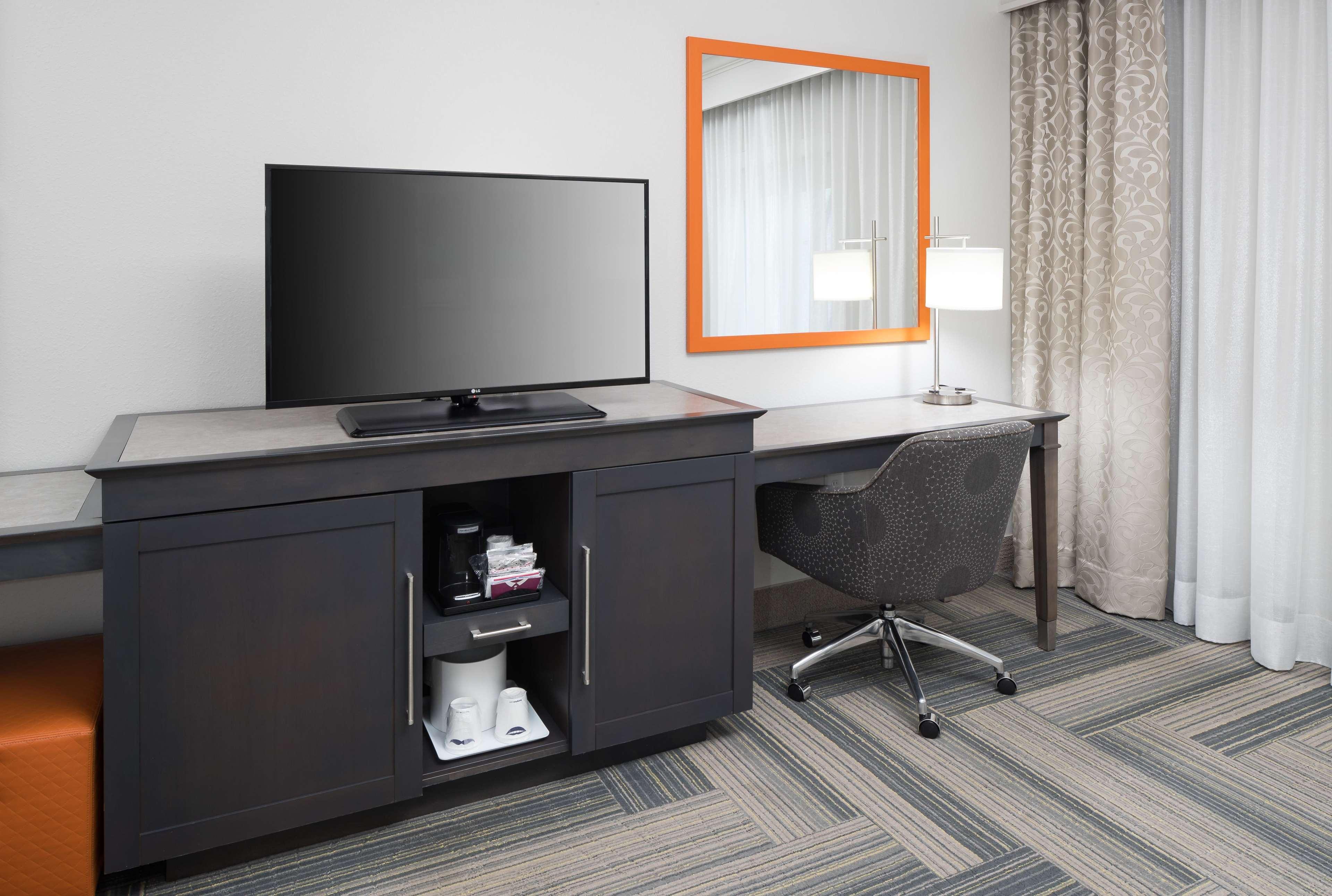 Hampton Inn & Suites by Hilton Atlanta Perimeter Dunwoody image 20