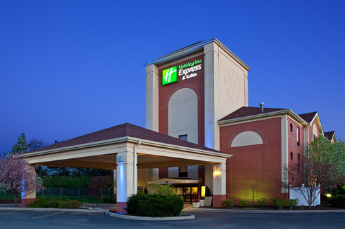 Holiday Inn Express & Suites Cincinnati Northeast-Milford image 3
