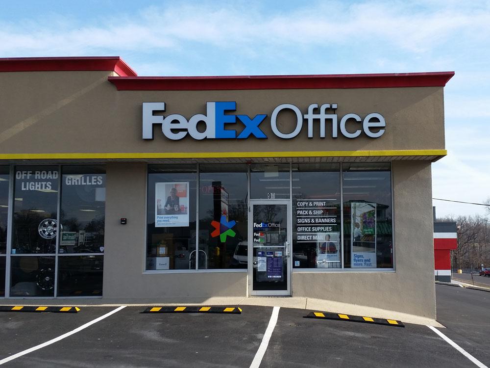 FedEx Office Print & Ship Center image 7