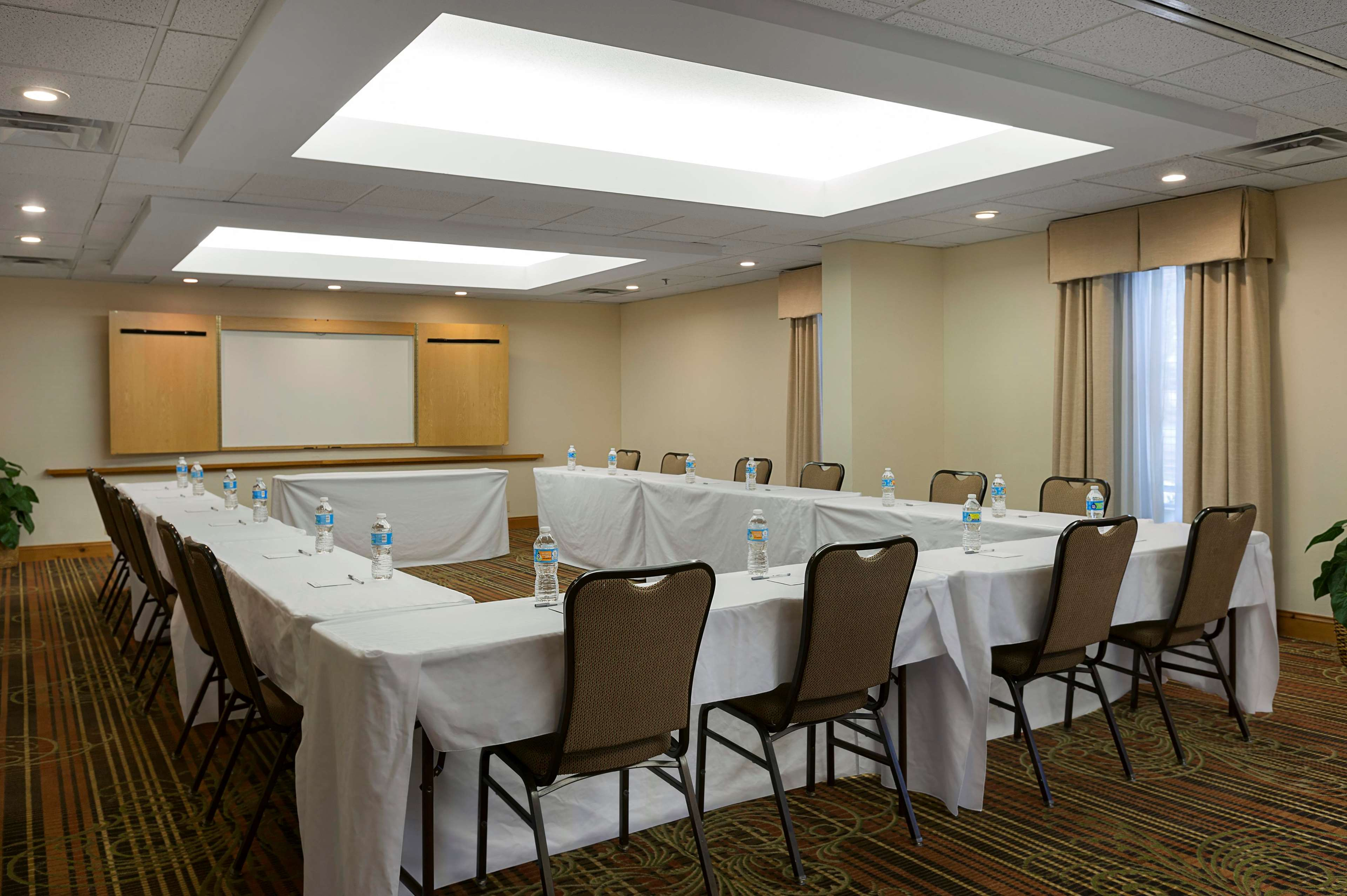 Hampton Inn & Suites Charlotte/Pineville image 10