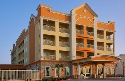 Holiday Inn Express & Suites Galveston West-Seawall image 1