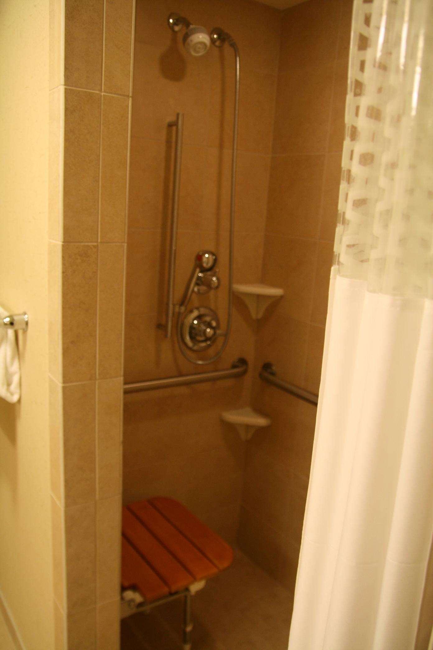 Hampton Inn & Suites Riverton image 49