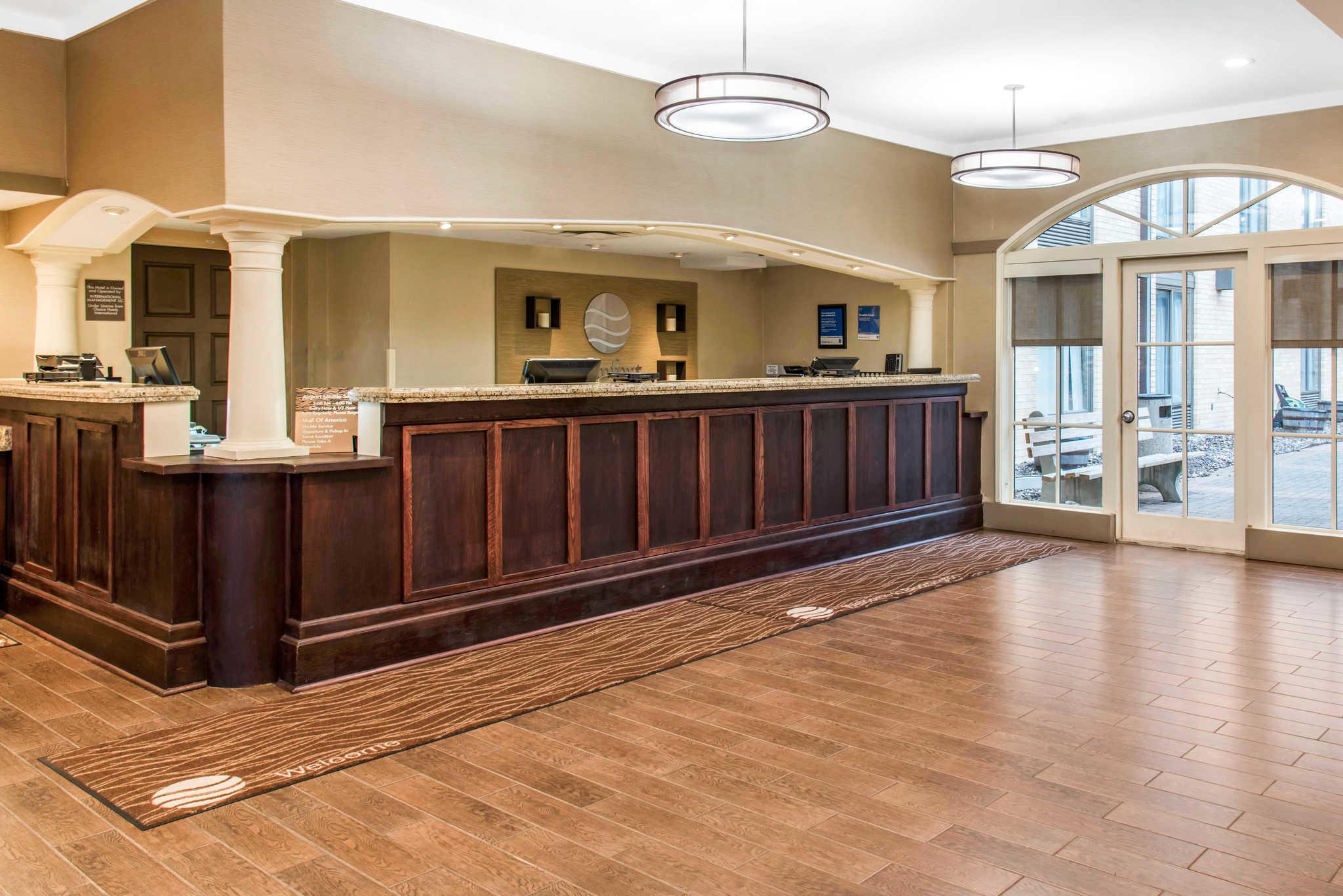 Comfort Inn Airport image 2