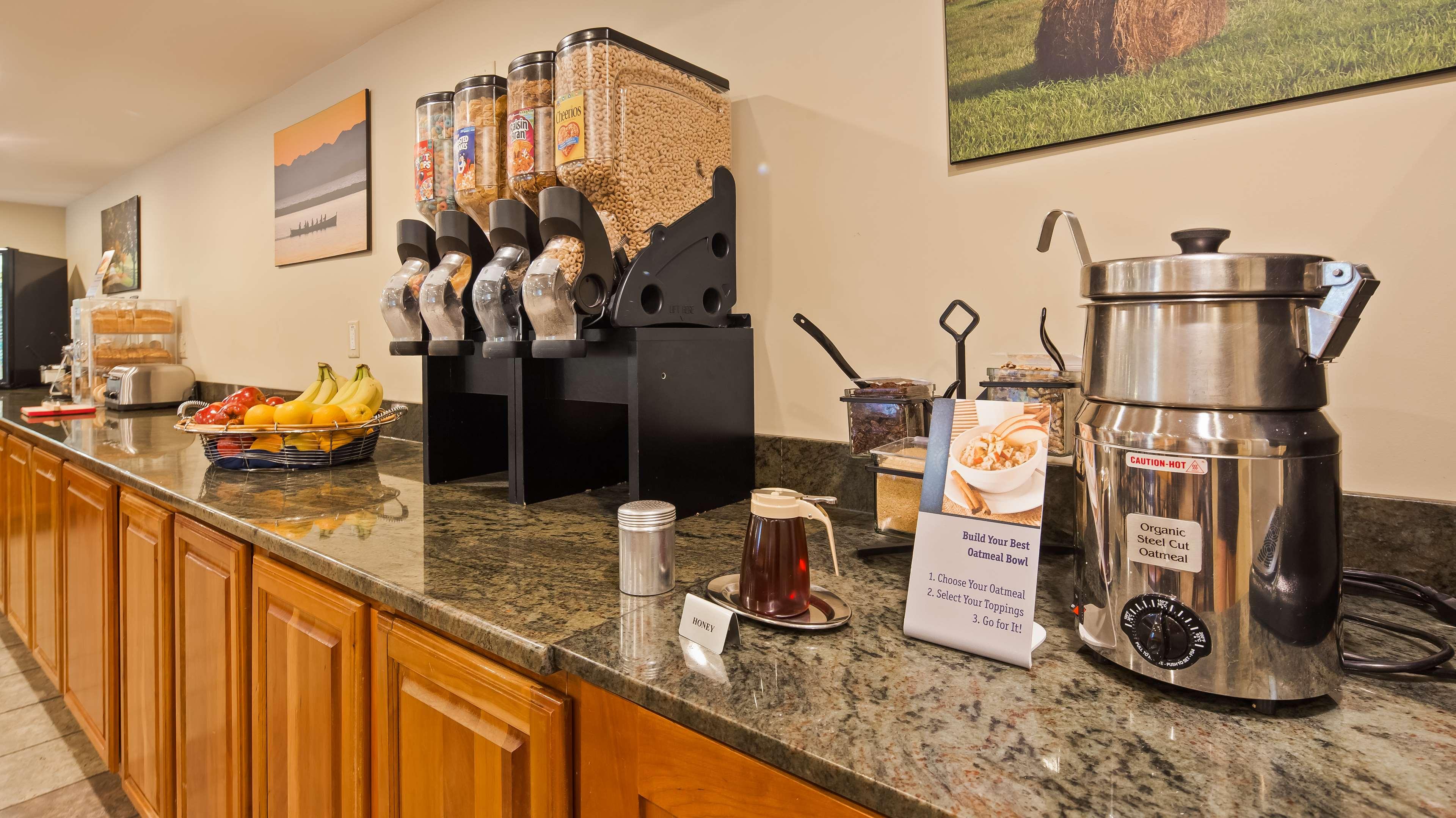 Best Western Plus Windjammer Inn & Conference Center image 2