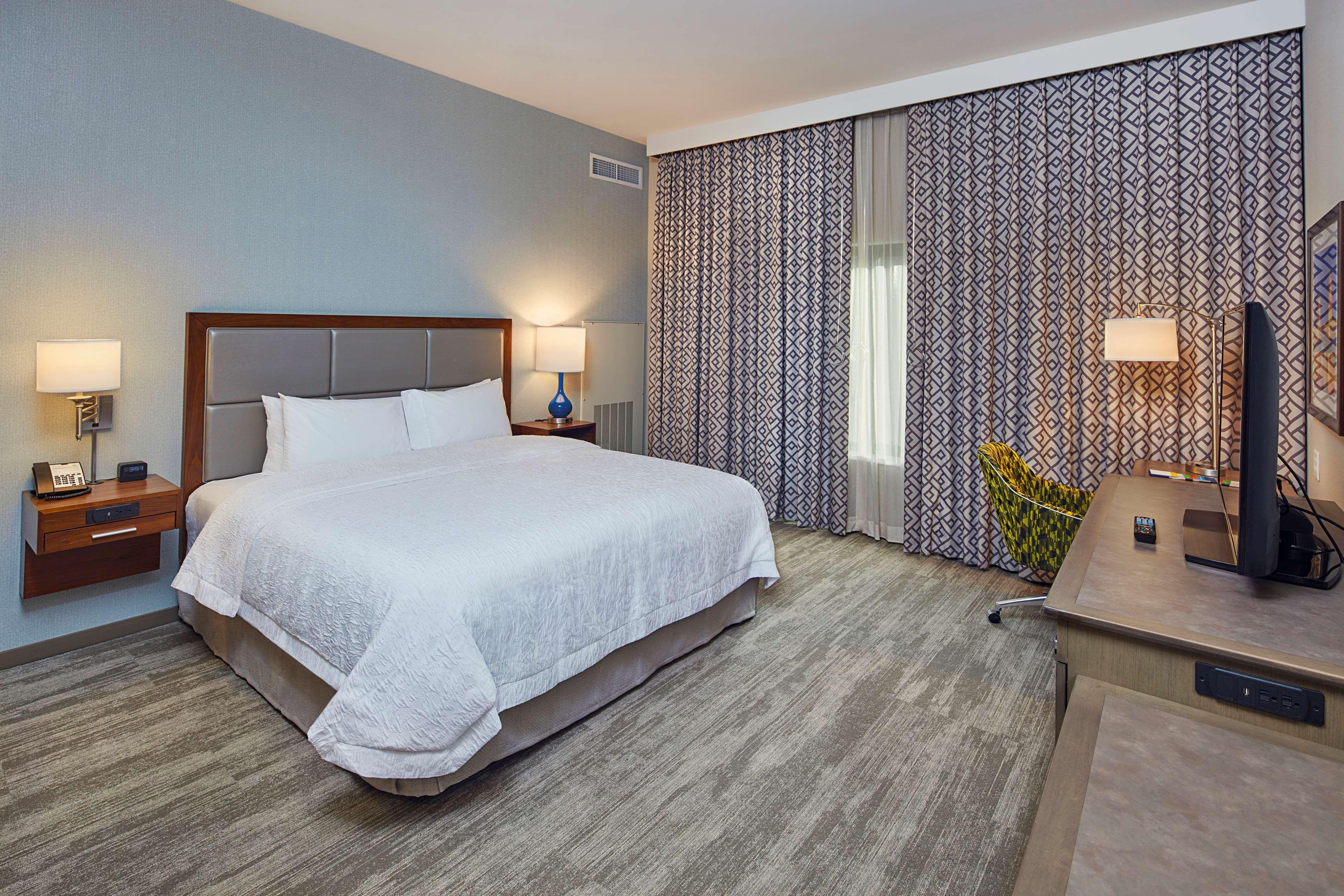 Hampton Inn & Suites Sacramento at CSUS image 30