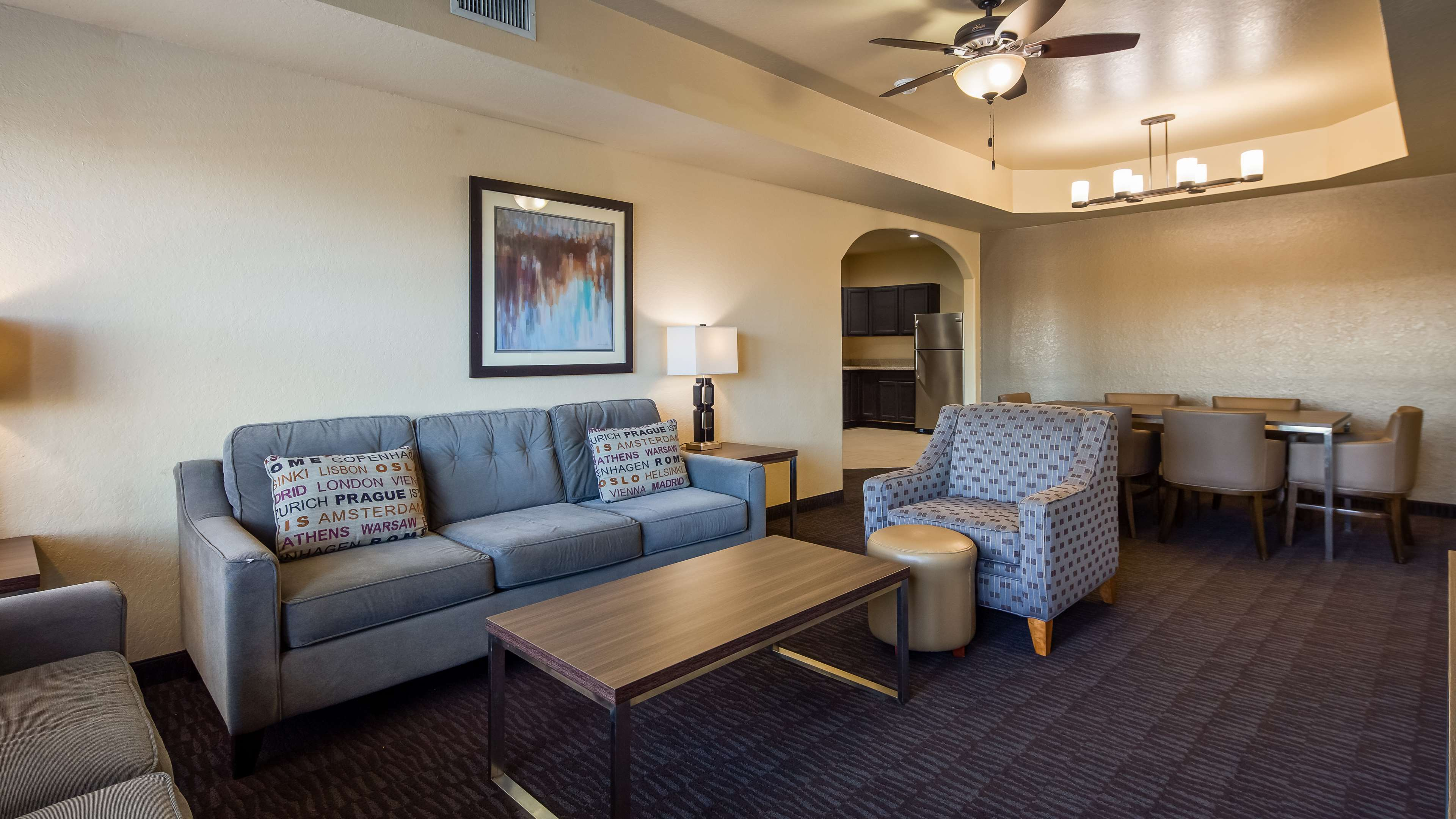 Best Western Plus Hill Country Suites image 13