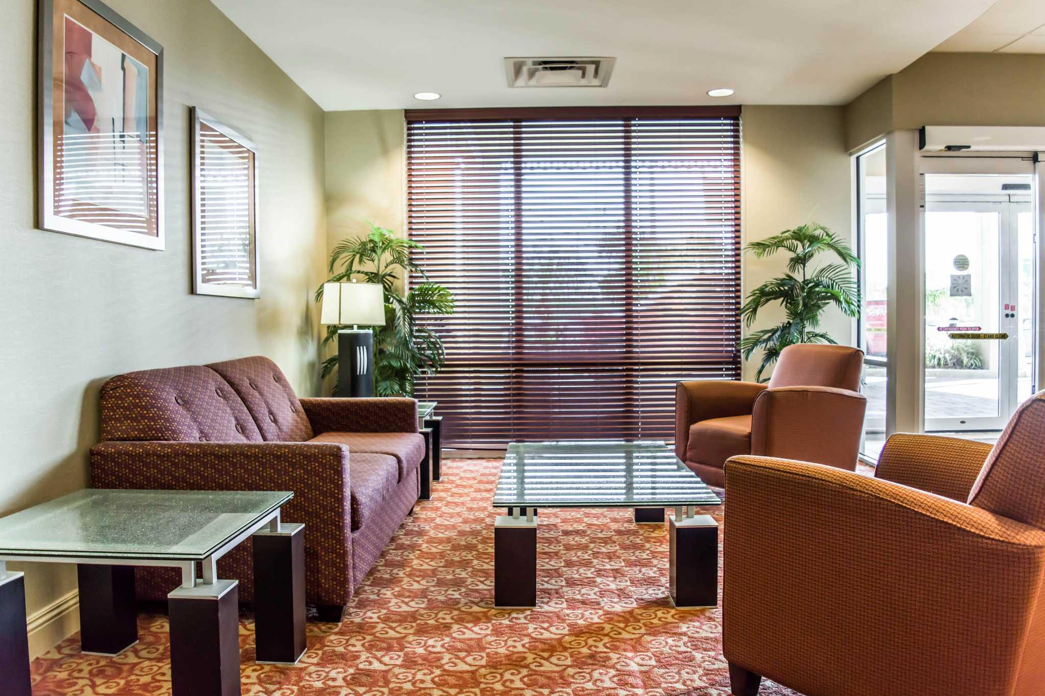 Comfort Suites Palm Bay - Melbourne image 8