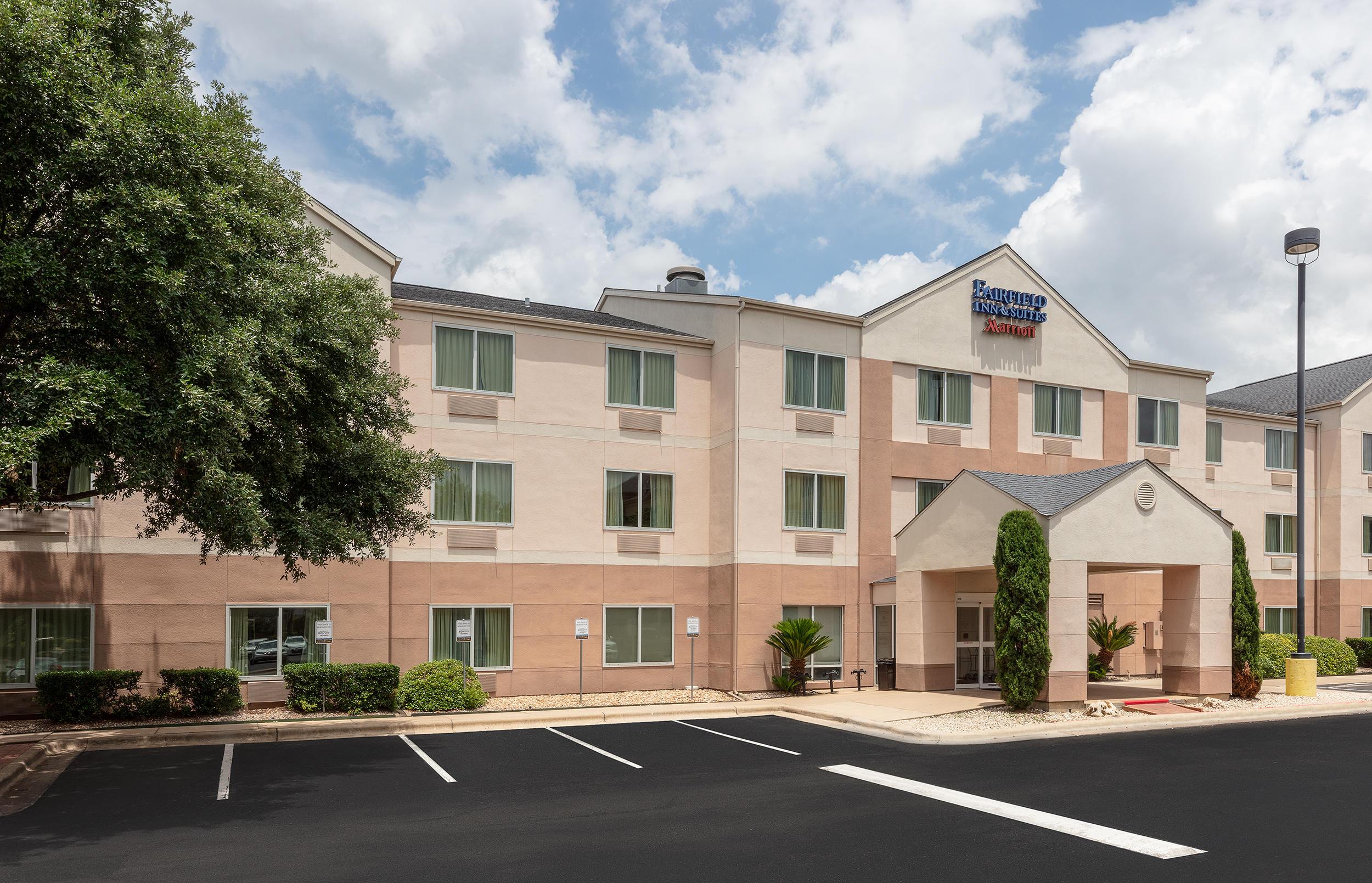 Fairfield Inn & Suites by Marriott Austin South image 0