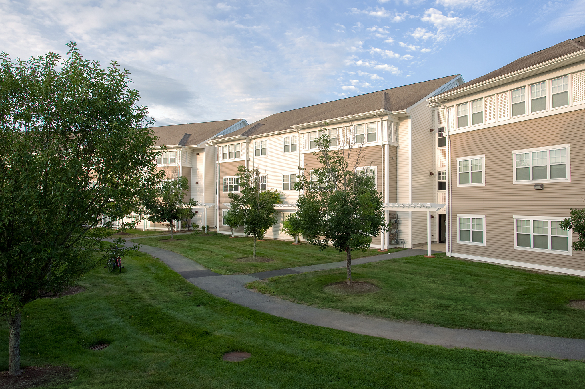 Chestnut Farm Apartments image 1
